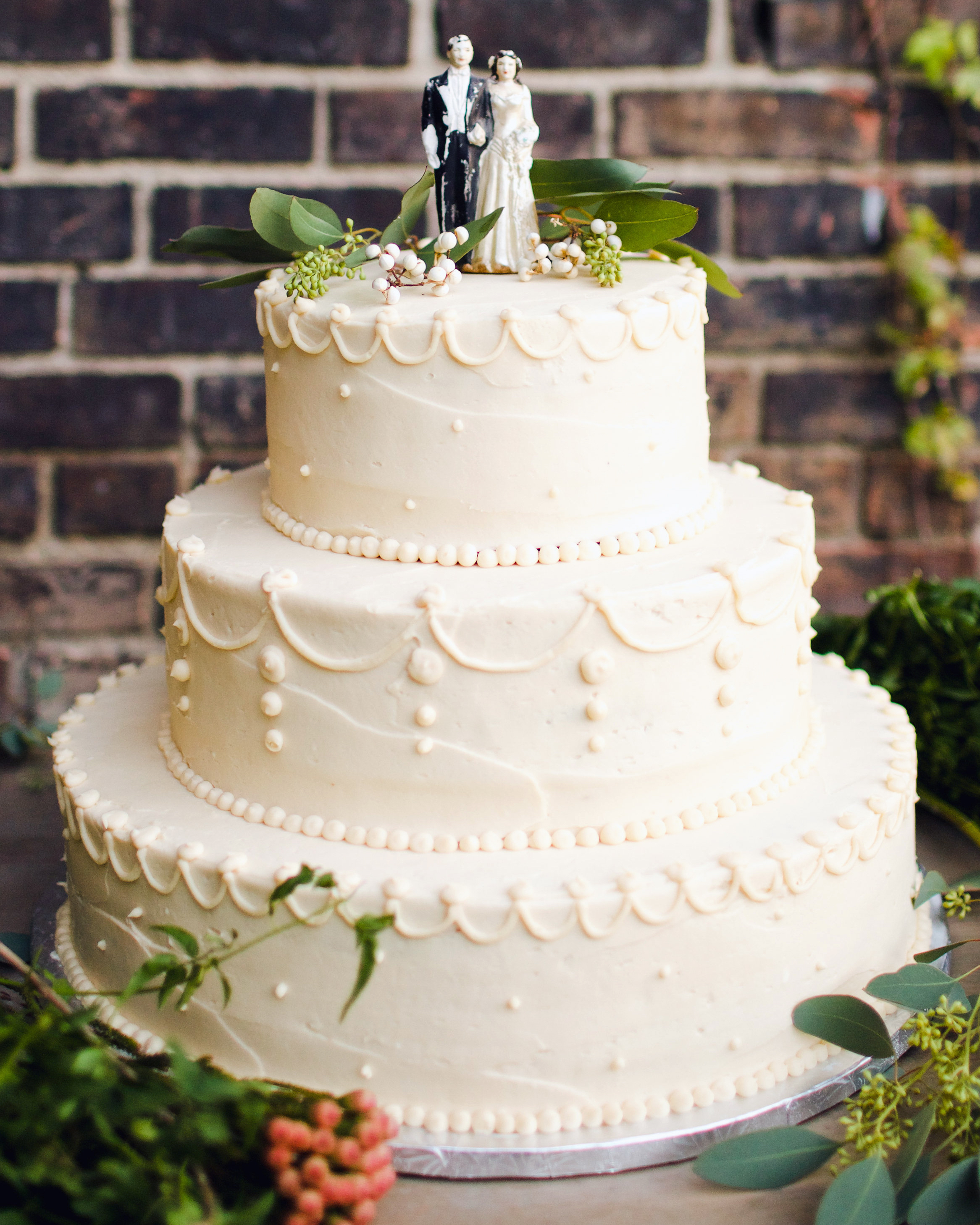 lauren-jake-wedding-cake-7391-s111838-0315.jpg
