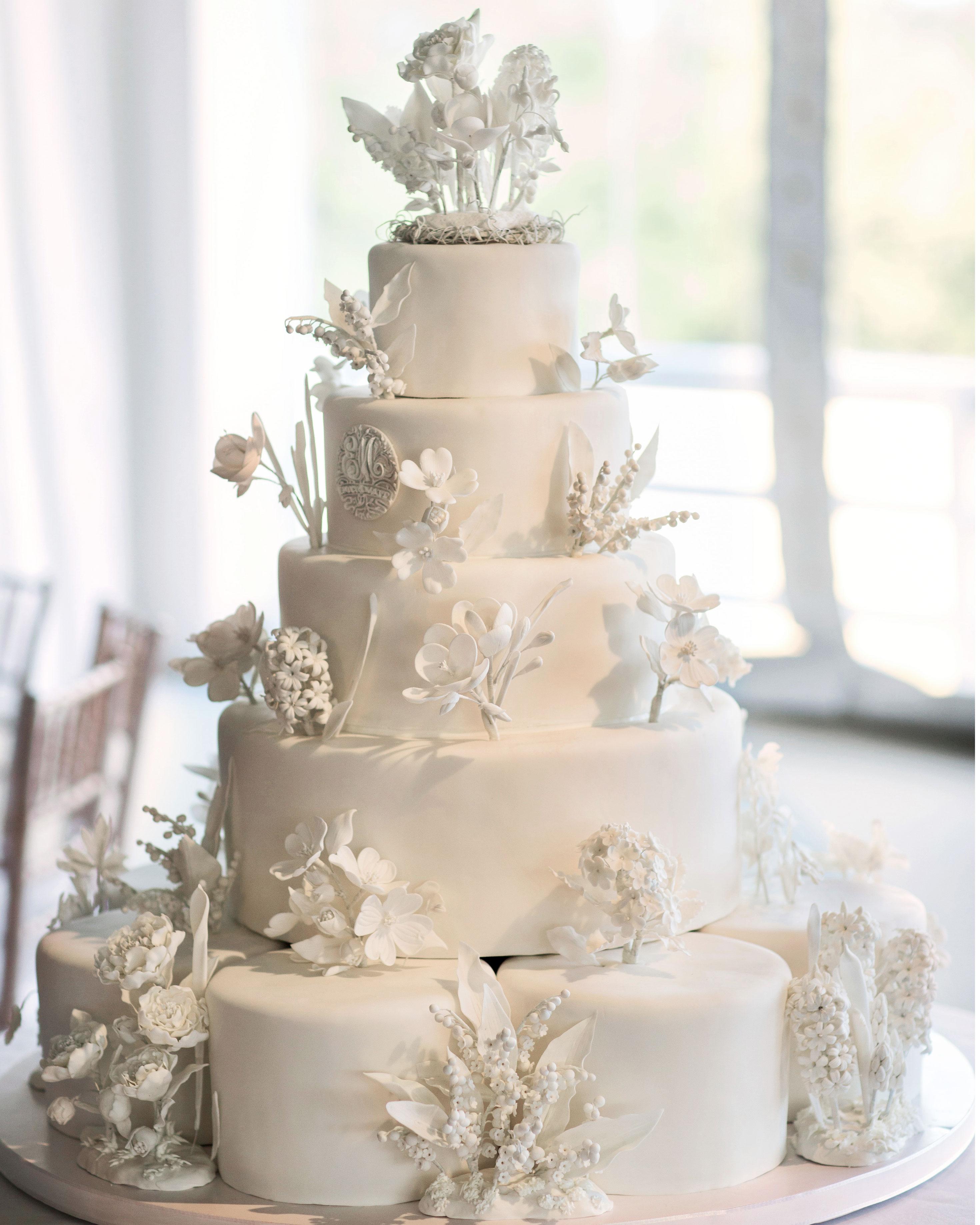 emily-matthew-wedding-cake-0124-s112720-0316.jpg