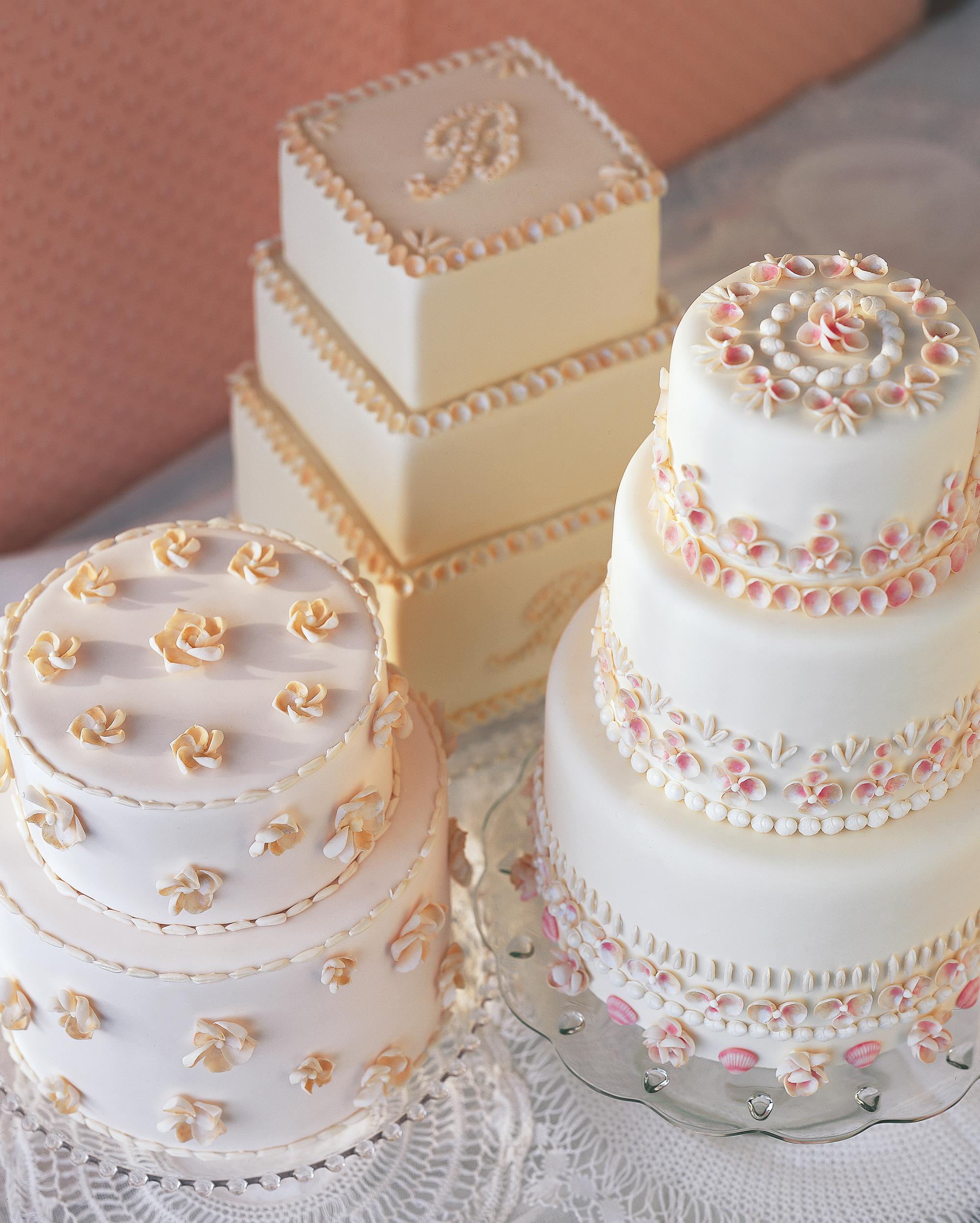 Simple Vintage Wedding Cake