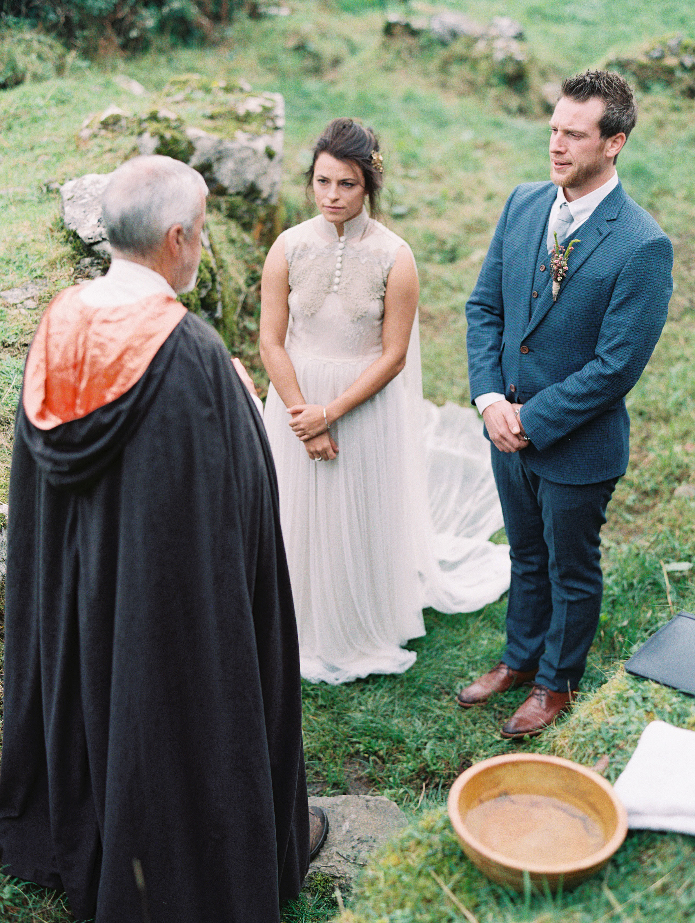 bride groom ceremony officiant