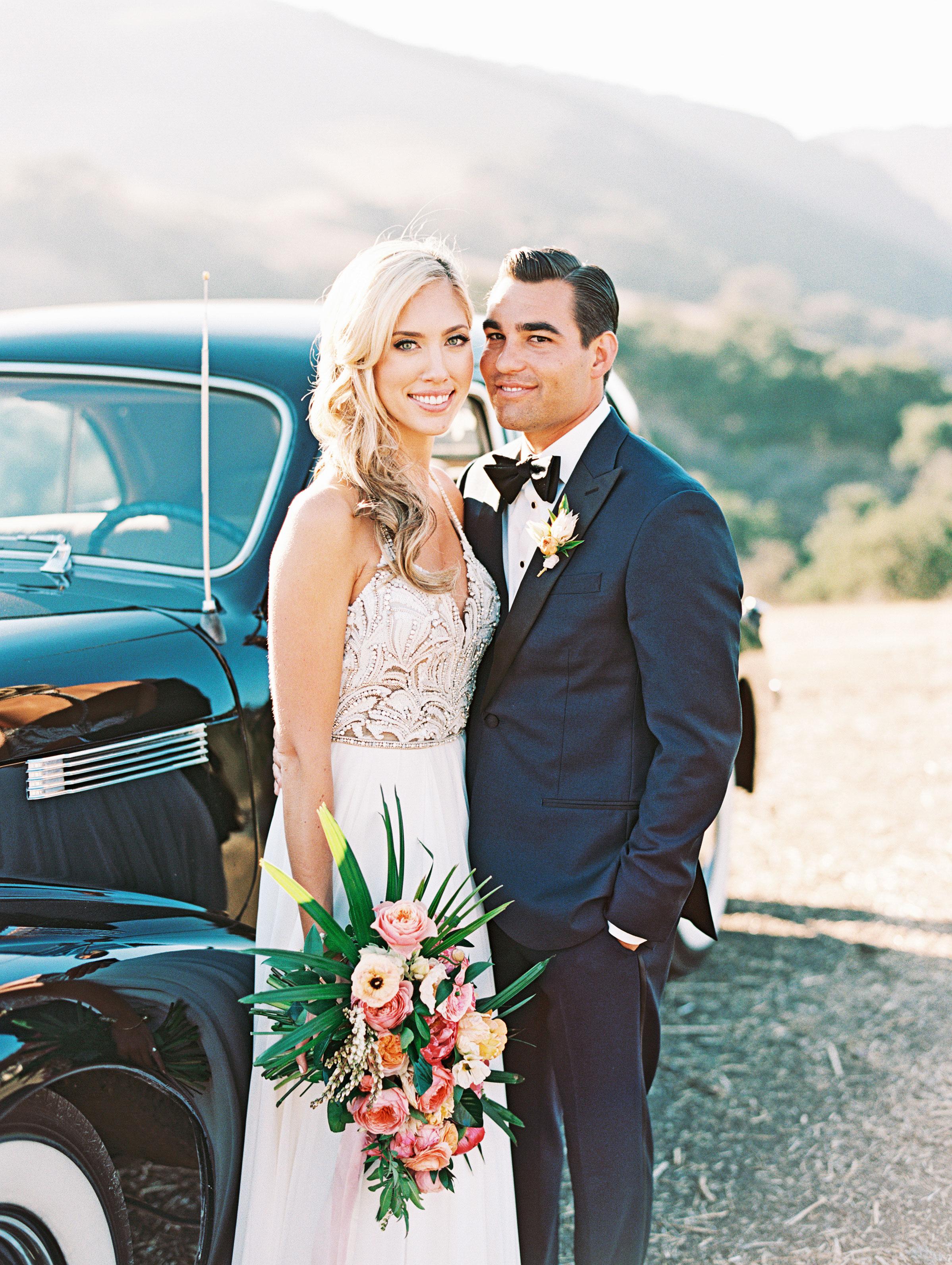 stephanie jared wedding couple by car