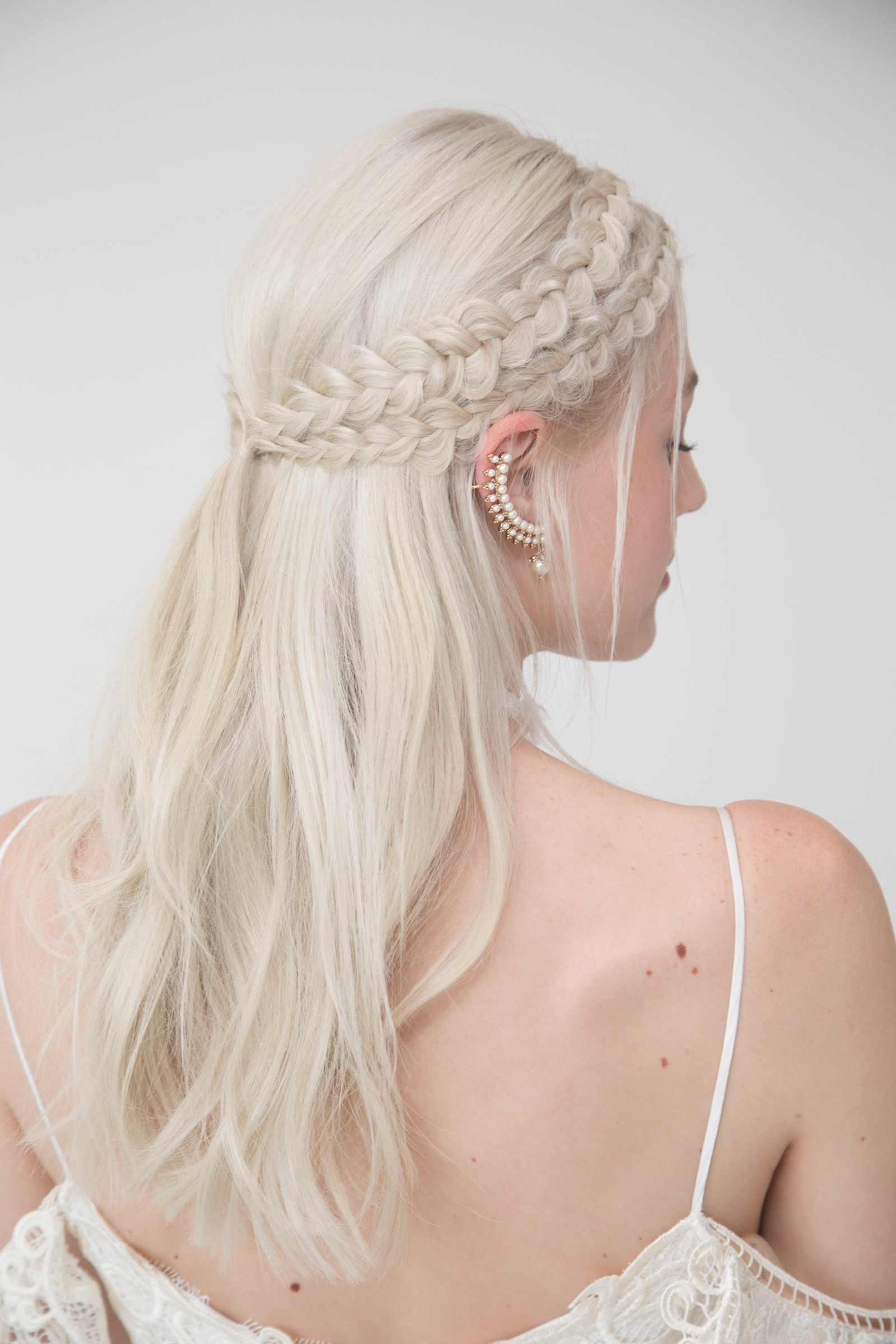 Marchesa Notte Hairstyle for Spring 2018 Bridal Fashion Week