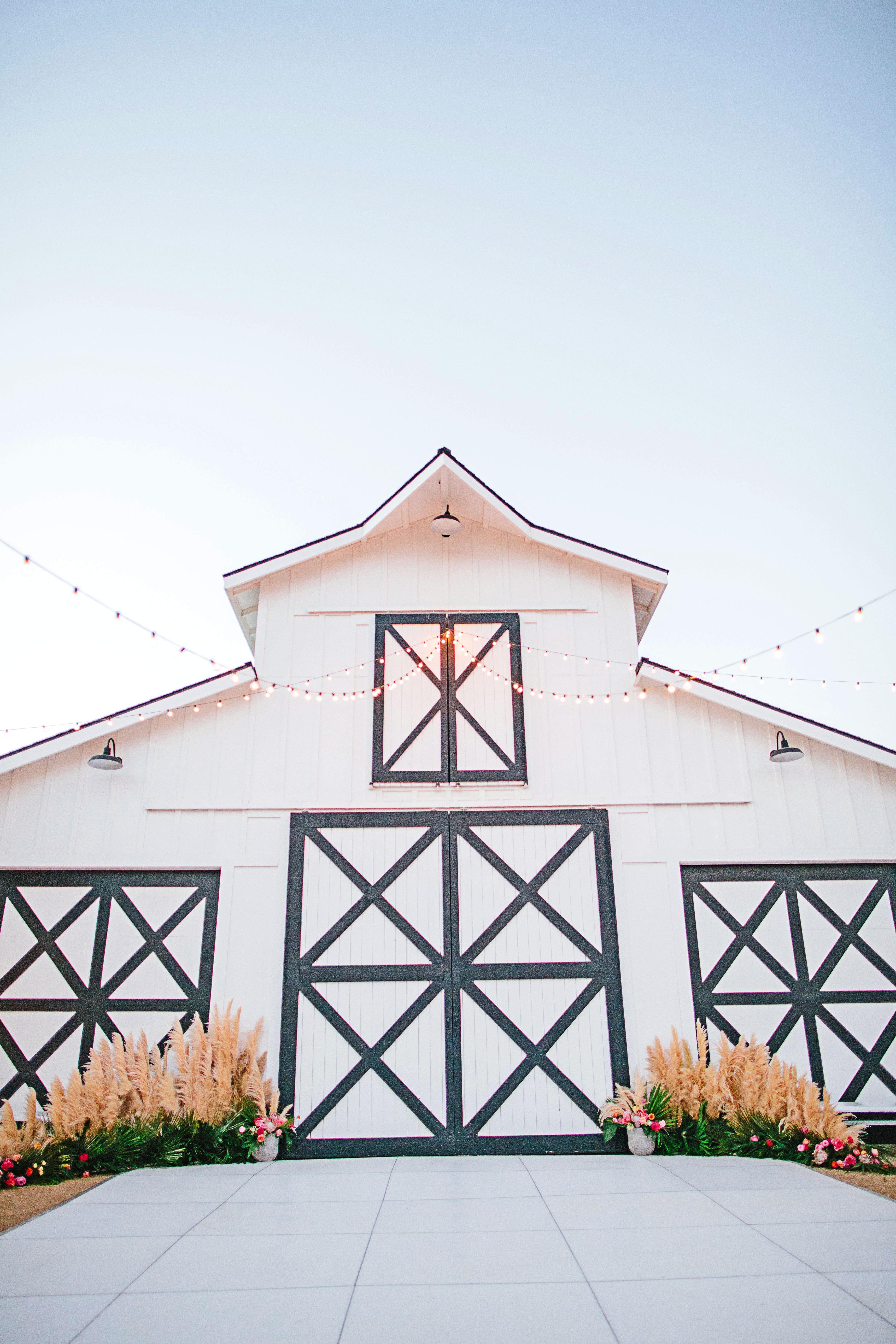 stephanie jared wedding barn