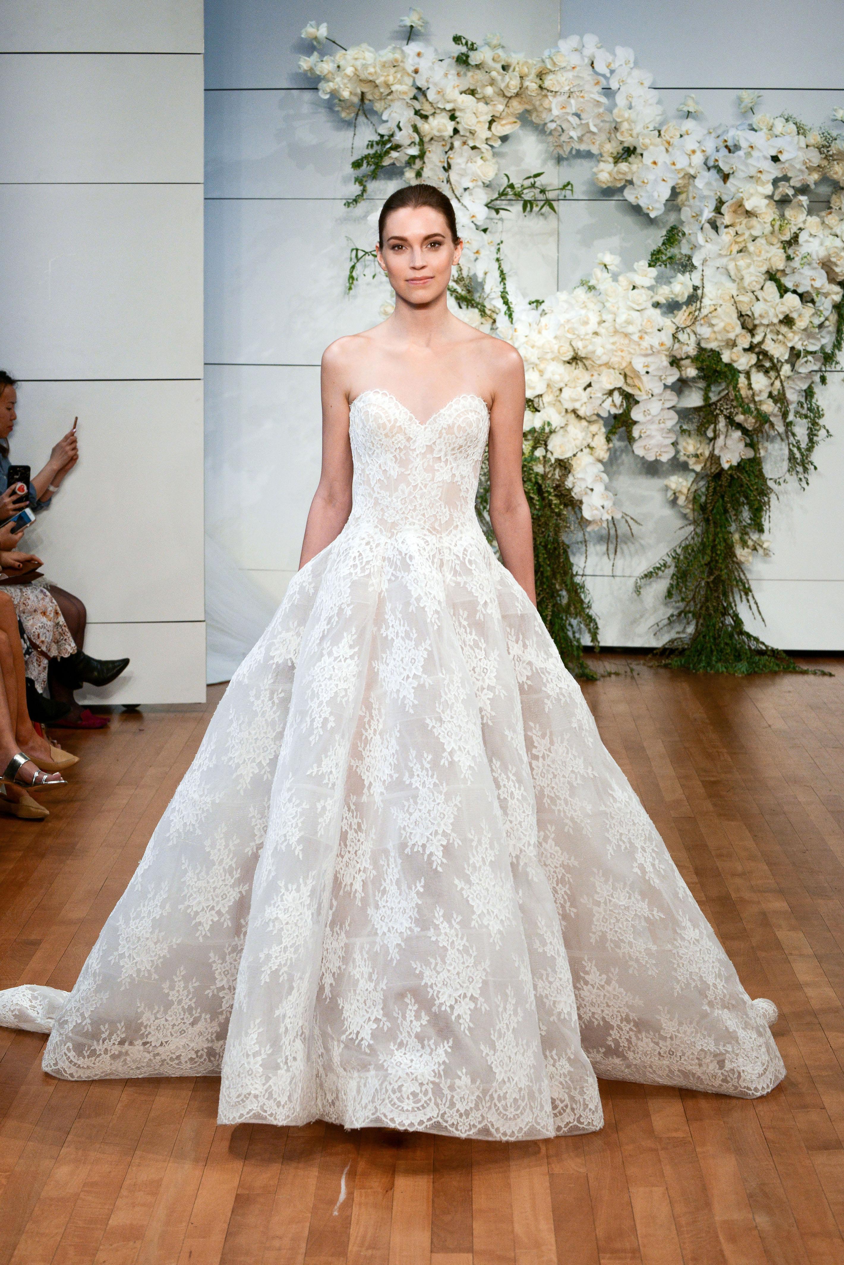 monique lhuillier sweetheart lace wedding dress spring 2018