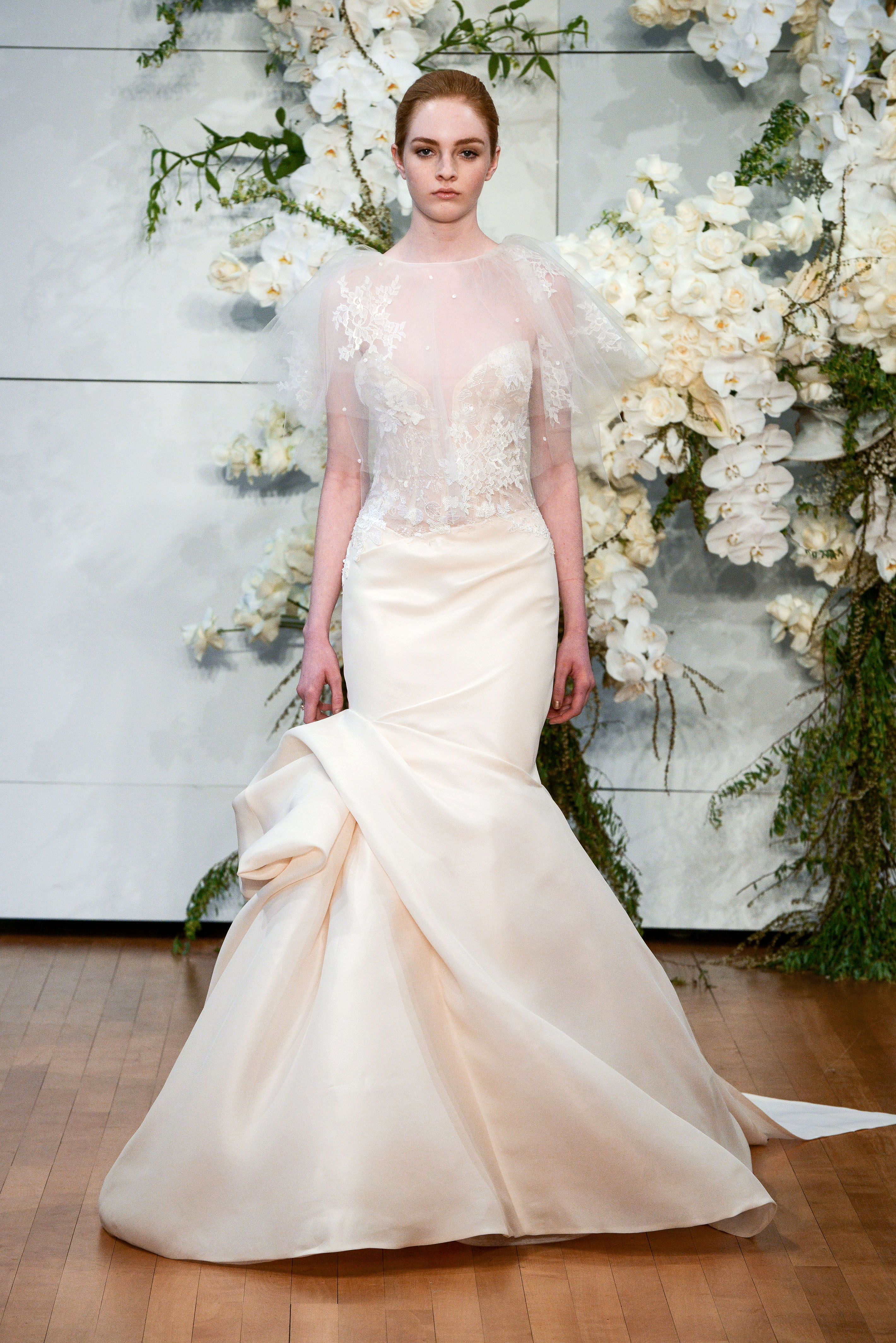 monique lhuillier mermaid sweetheart wedding dress spring 2018