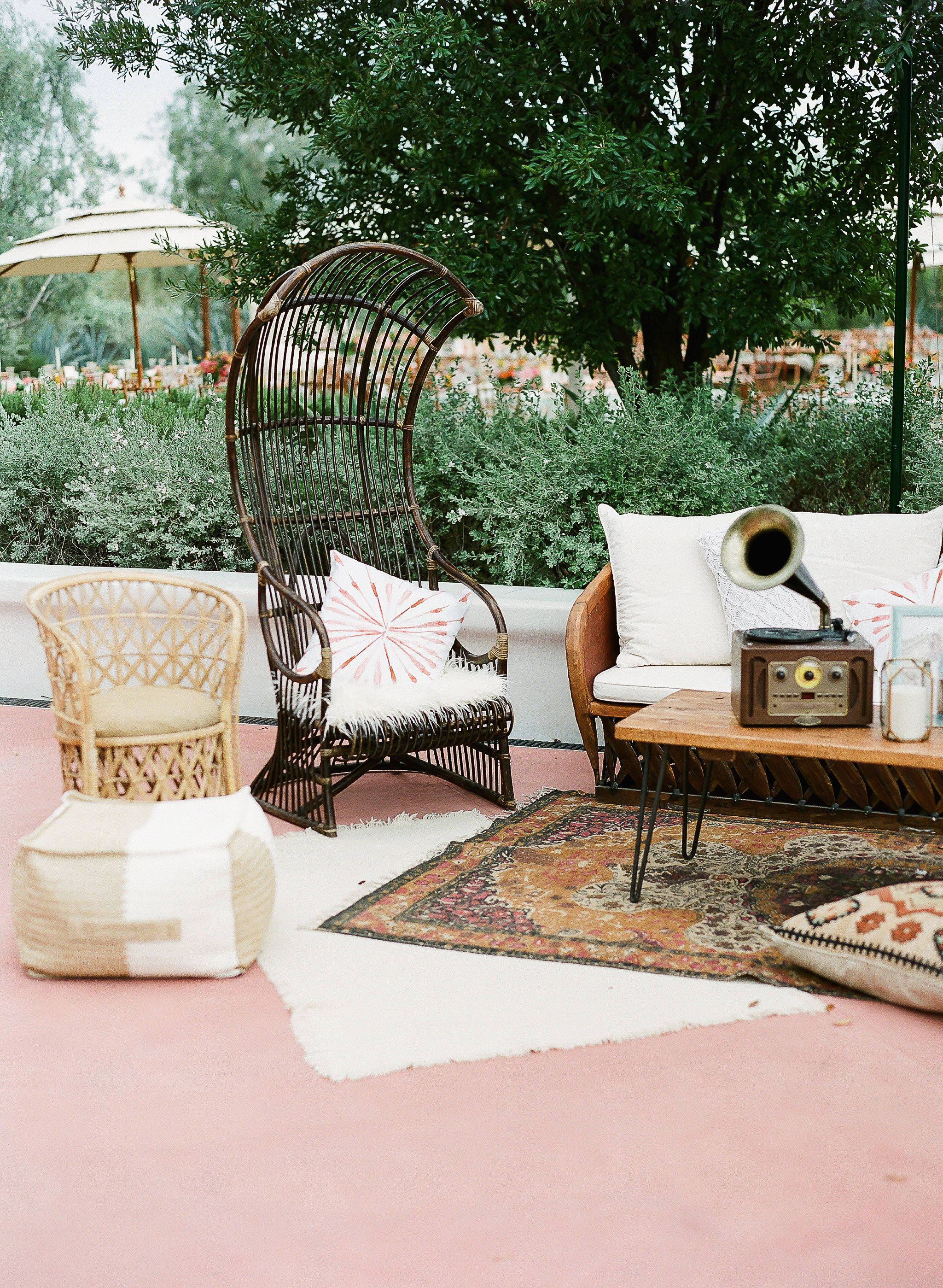 How to Create a Lounge Area at Your Reception | Martha ...