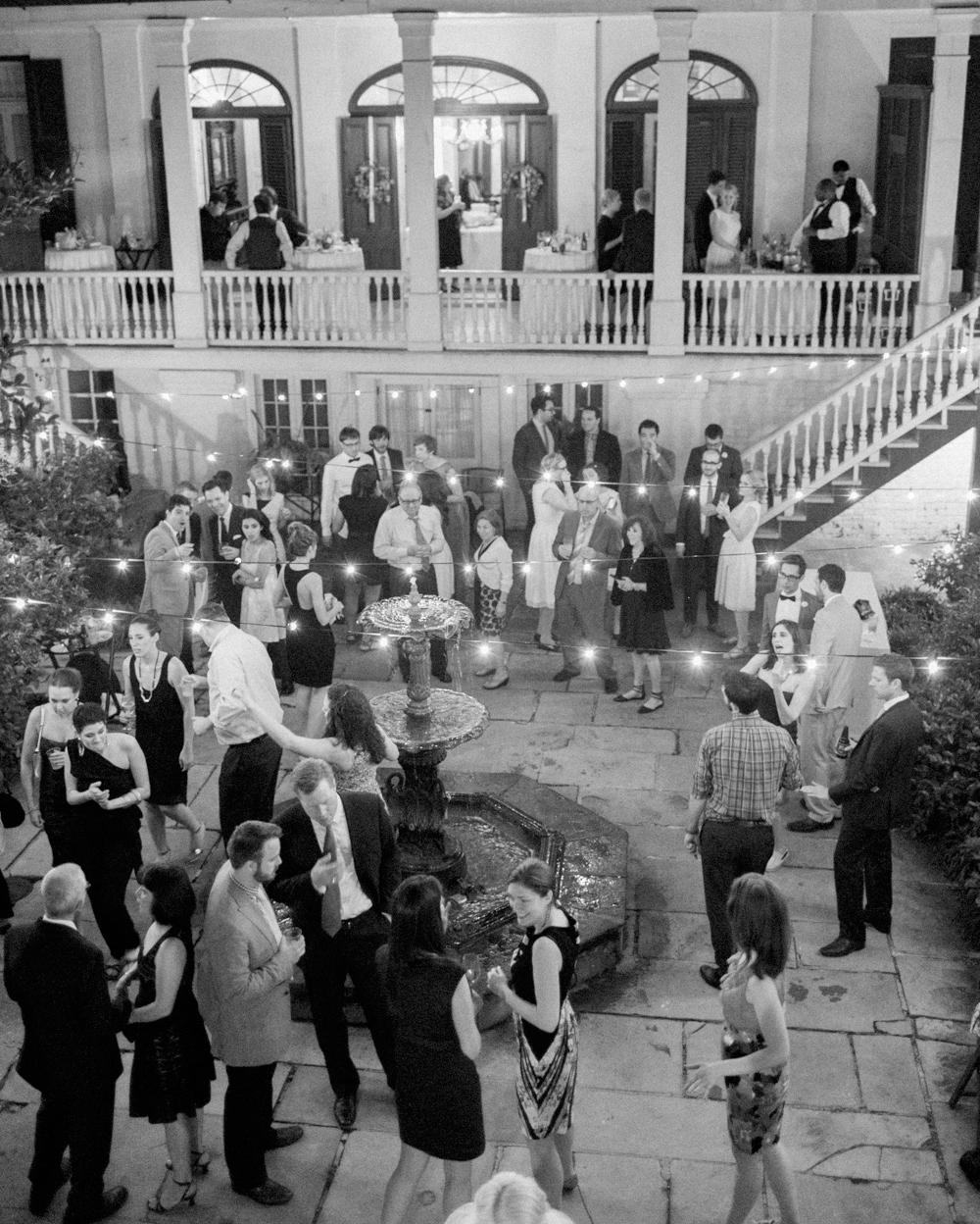 jessica-graham-wedding-courtyard-0099-s112171-0915.jpg