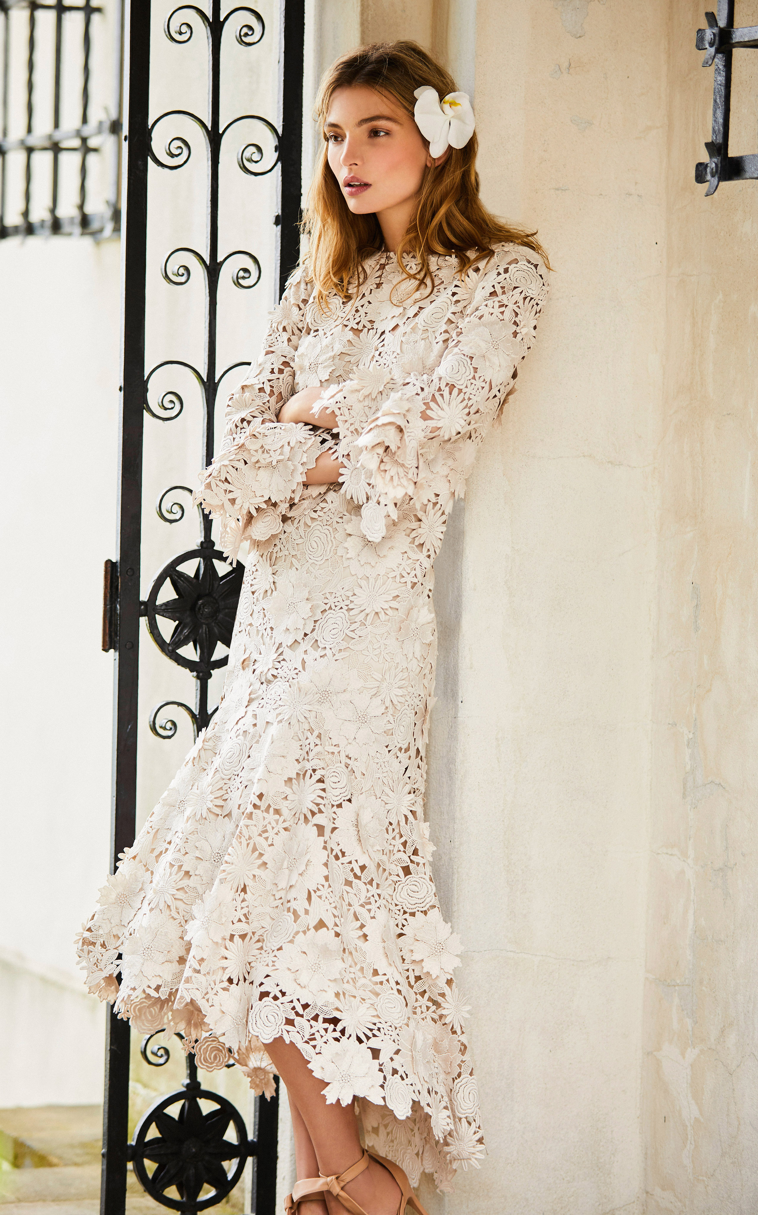 johanna ortiz moda operandi short lace long sleeves wedding dress