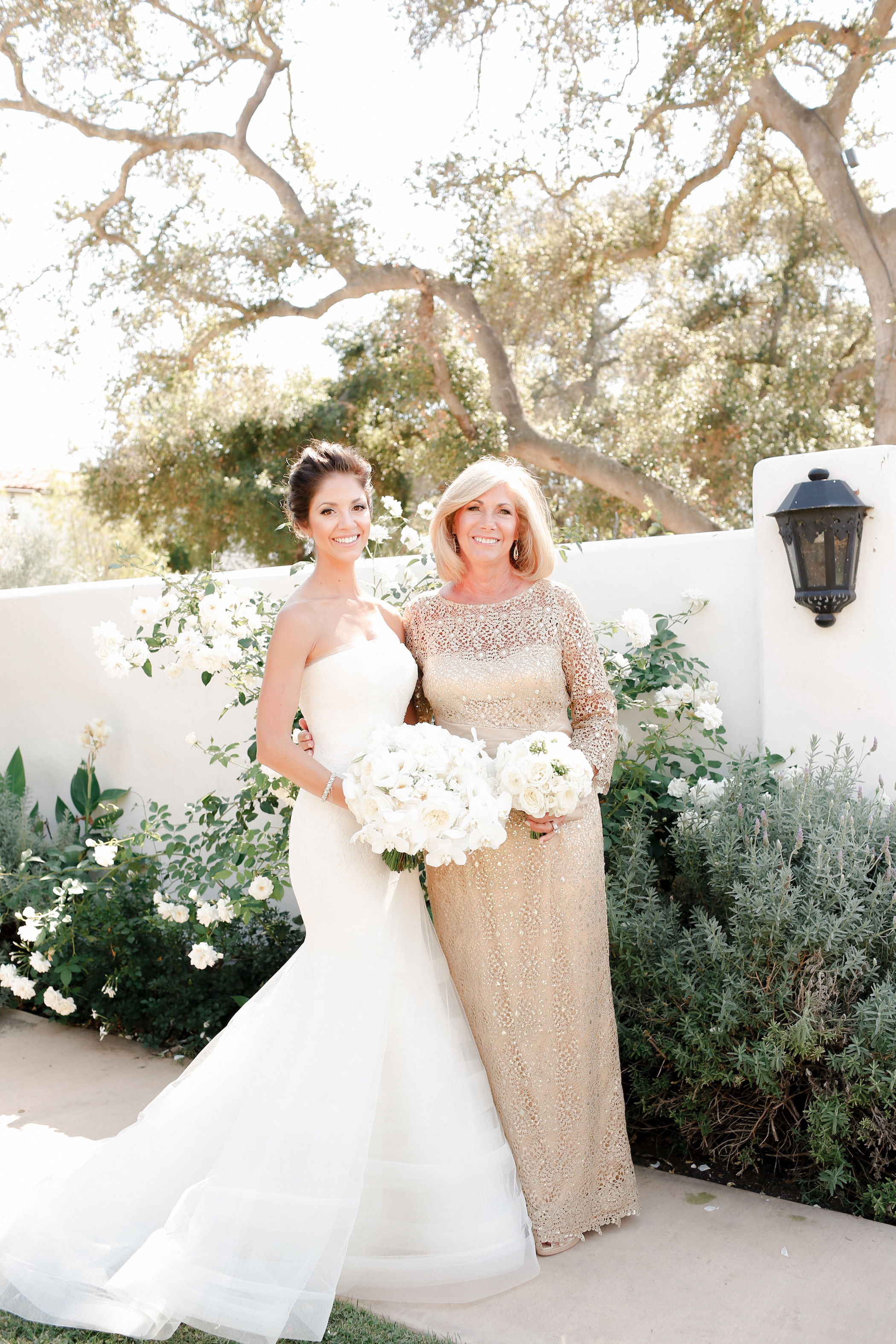 55 Heartwarming Mother Daughter Wedding Photos Martha