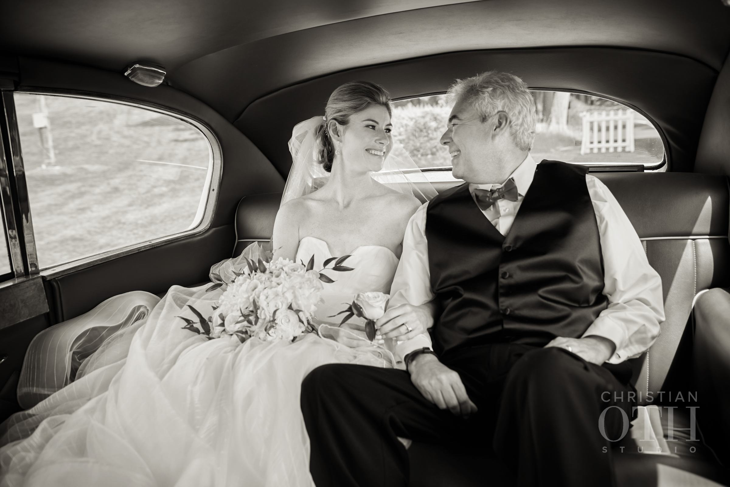 Father-Daughter Wedding Photos, Dad and Daughter in Car