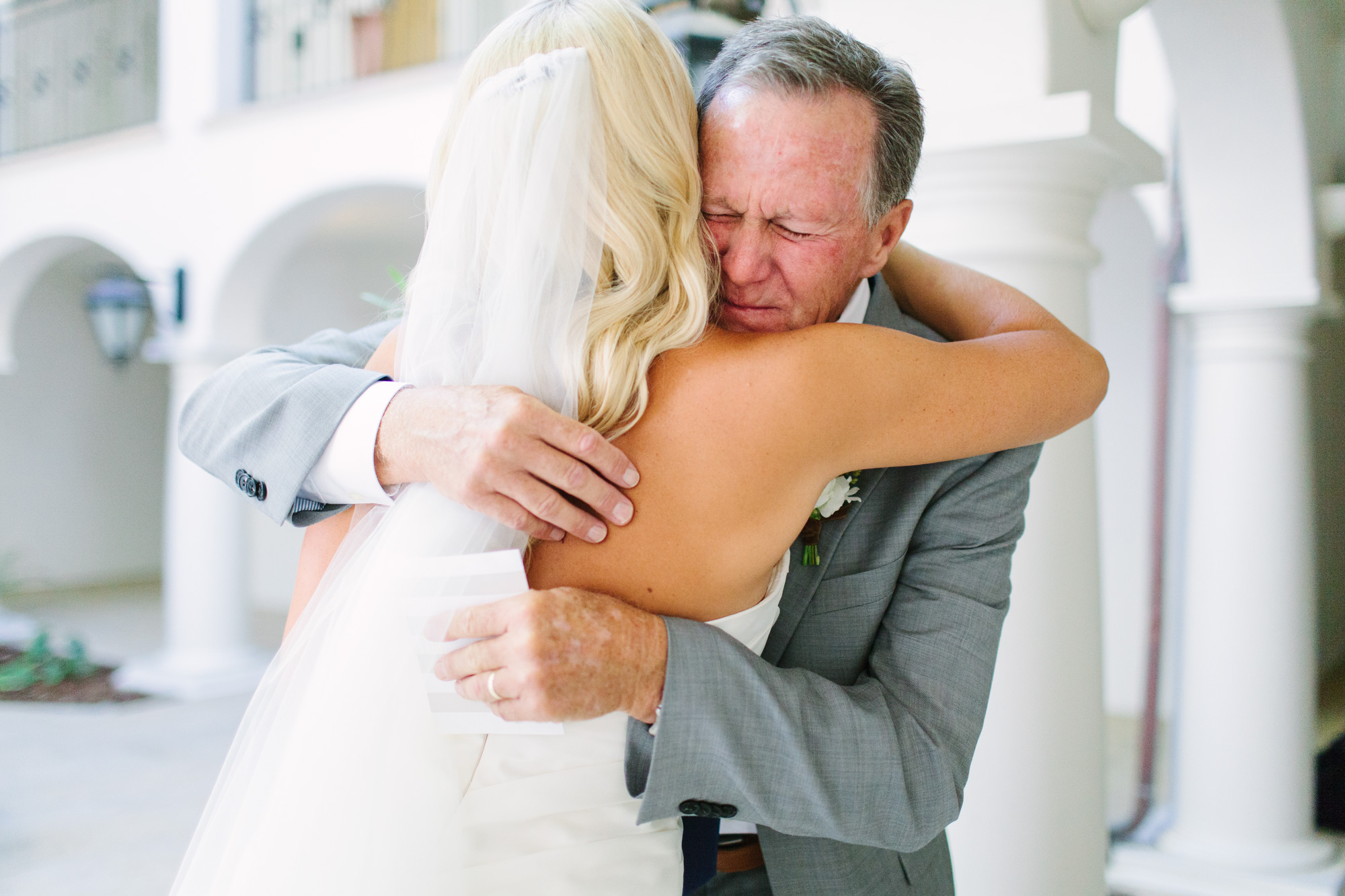 father daughter wedding moment hugging
