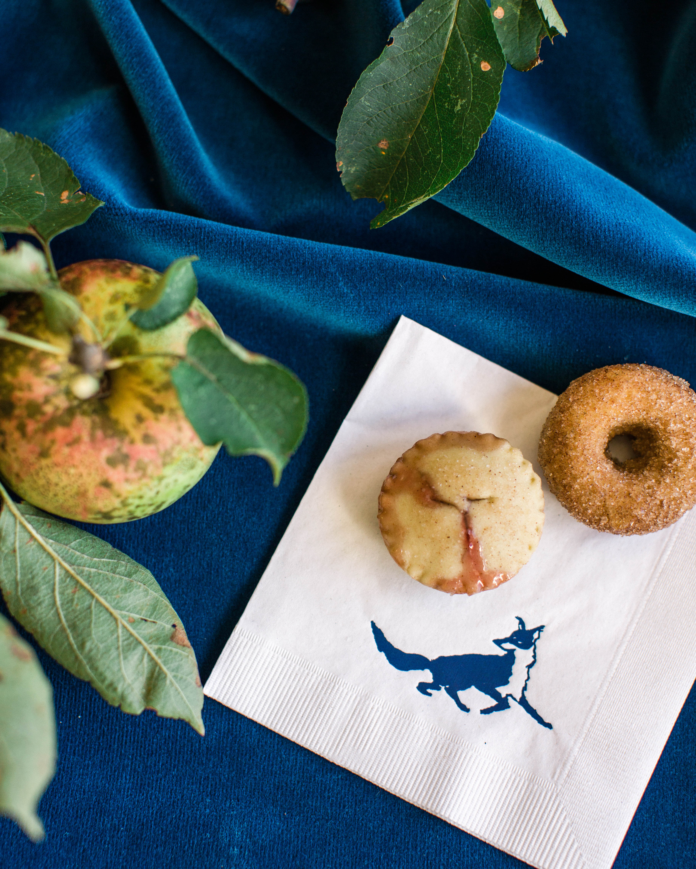 sarah greg new jersey wedding donut pie