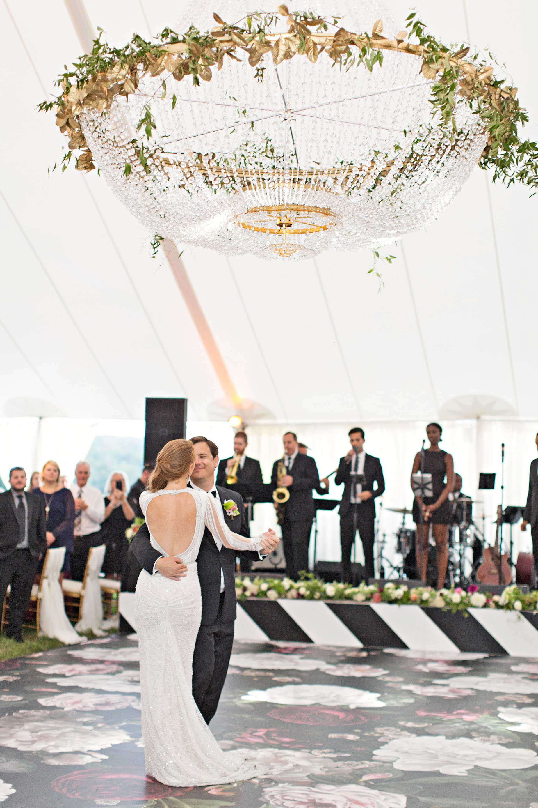 6 Tips for Choosing the Perfect First Dance Song