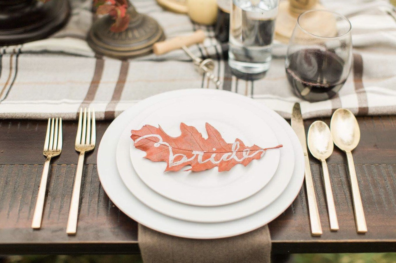 28 Paper Place Card Alternatives That Your Guests Won't Expect