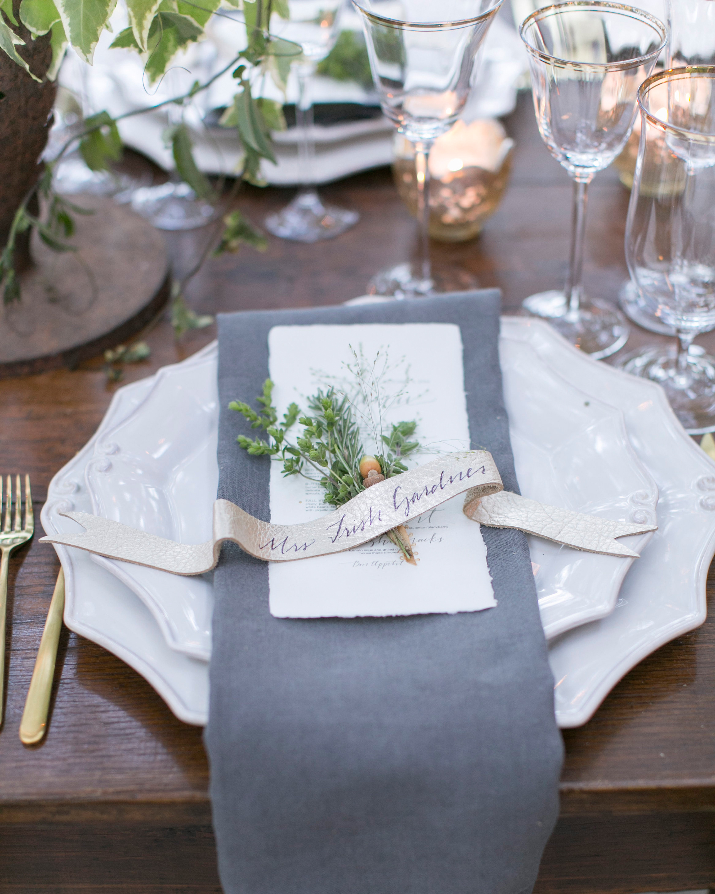 briana-adam-wedding-placesetting-0966-s112471-1215.jpg