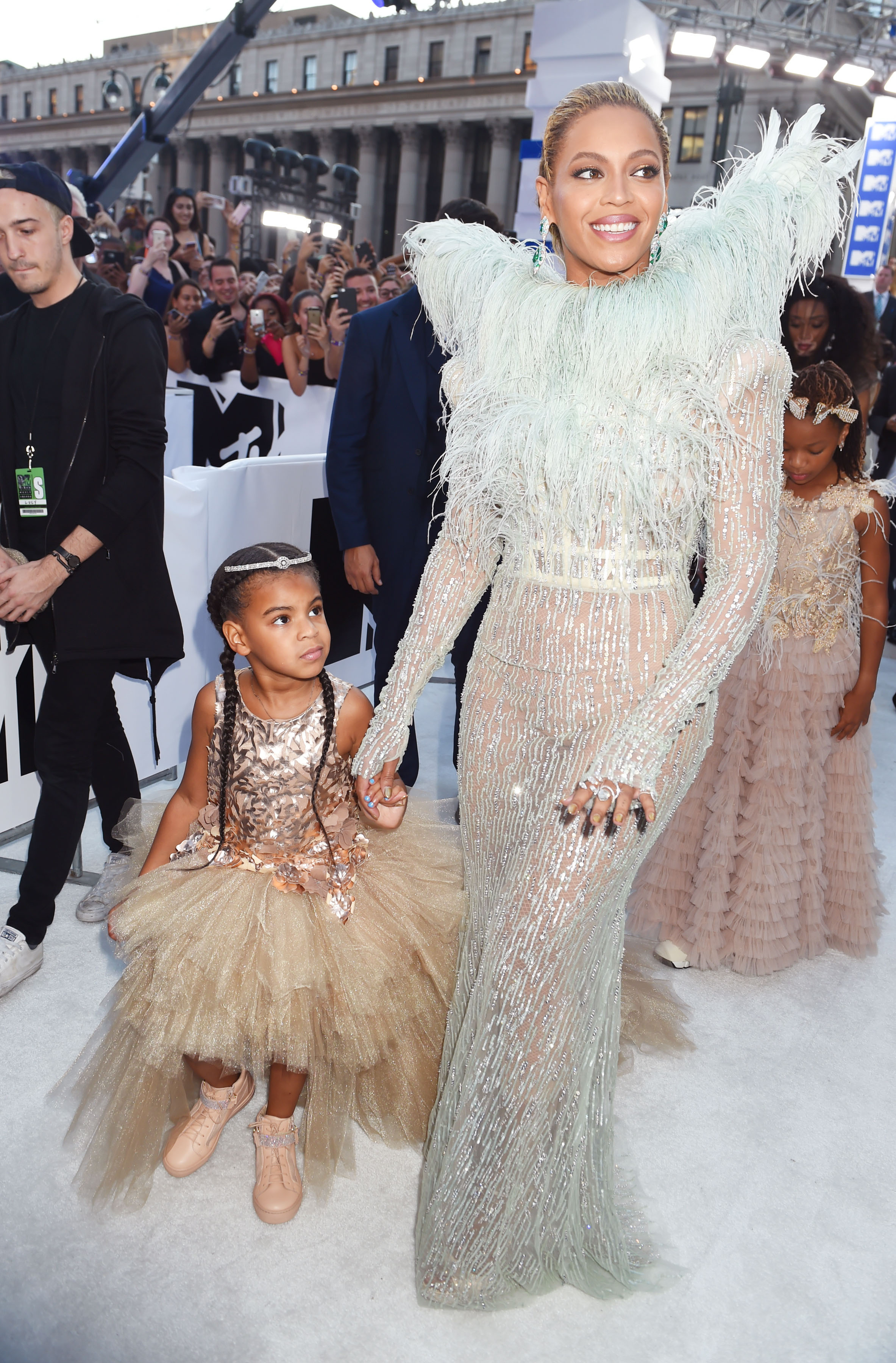 Blue Ivy's VMA Look Is Serious Flower Girl Inspo