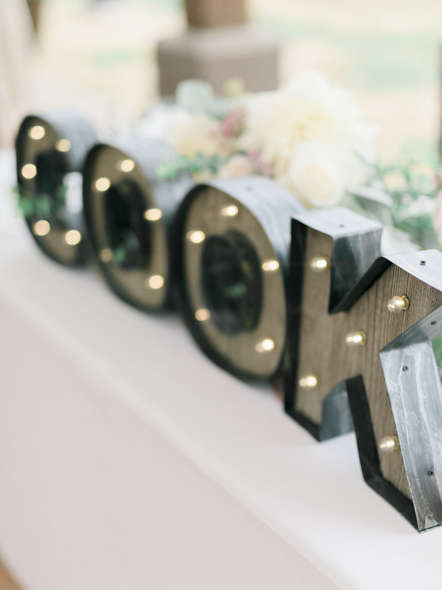 11 Cool Ways to Use Marquee Letters at Your Wedding