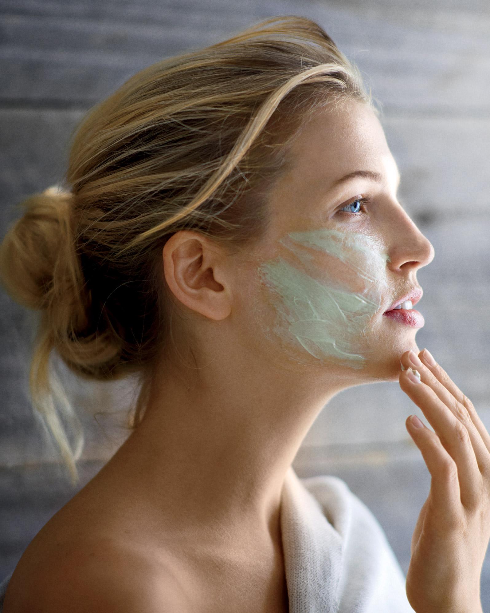 face-mask-mbd106453.jpg