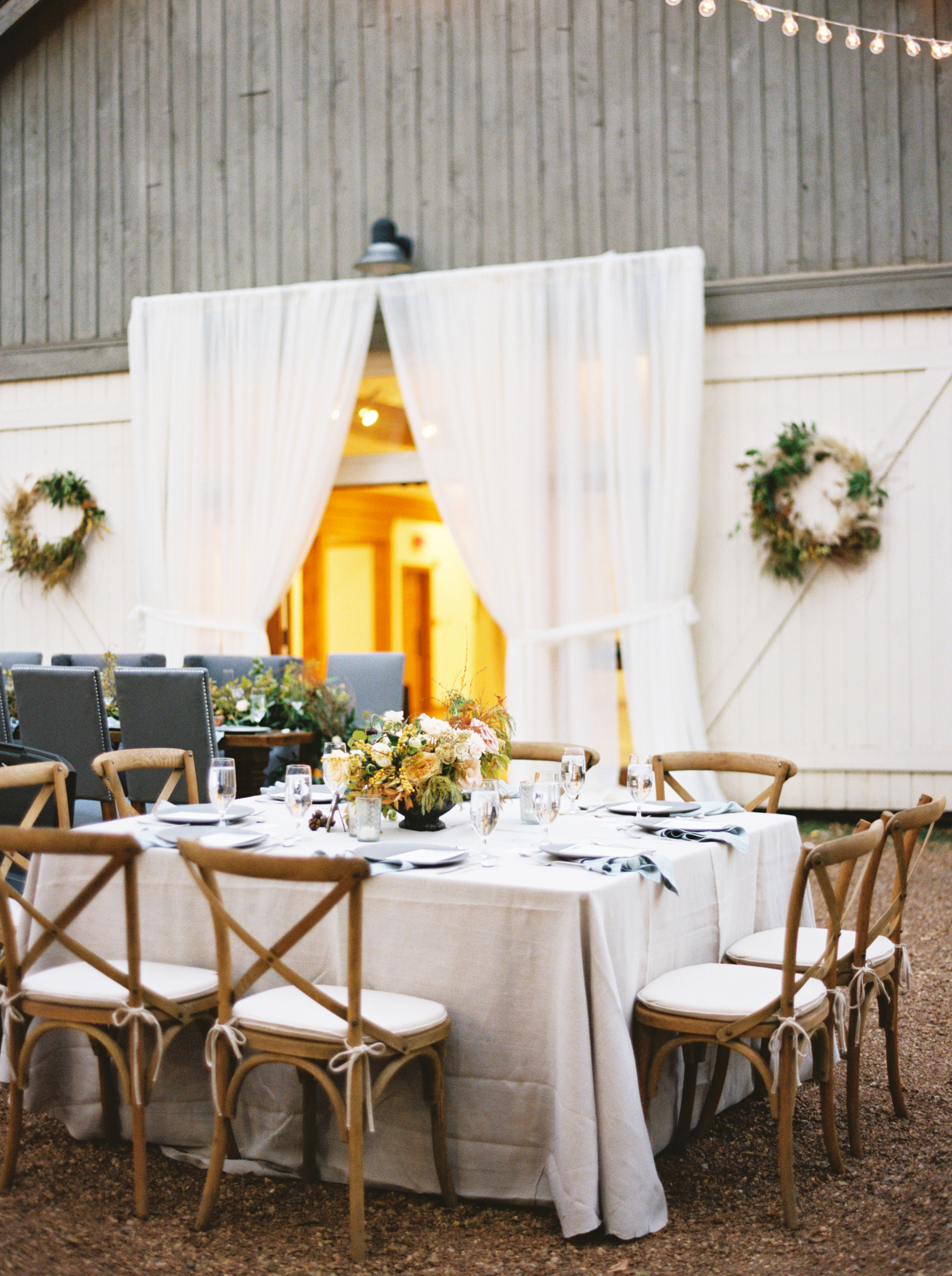 jayme barry wedding reception table