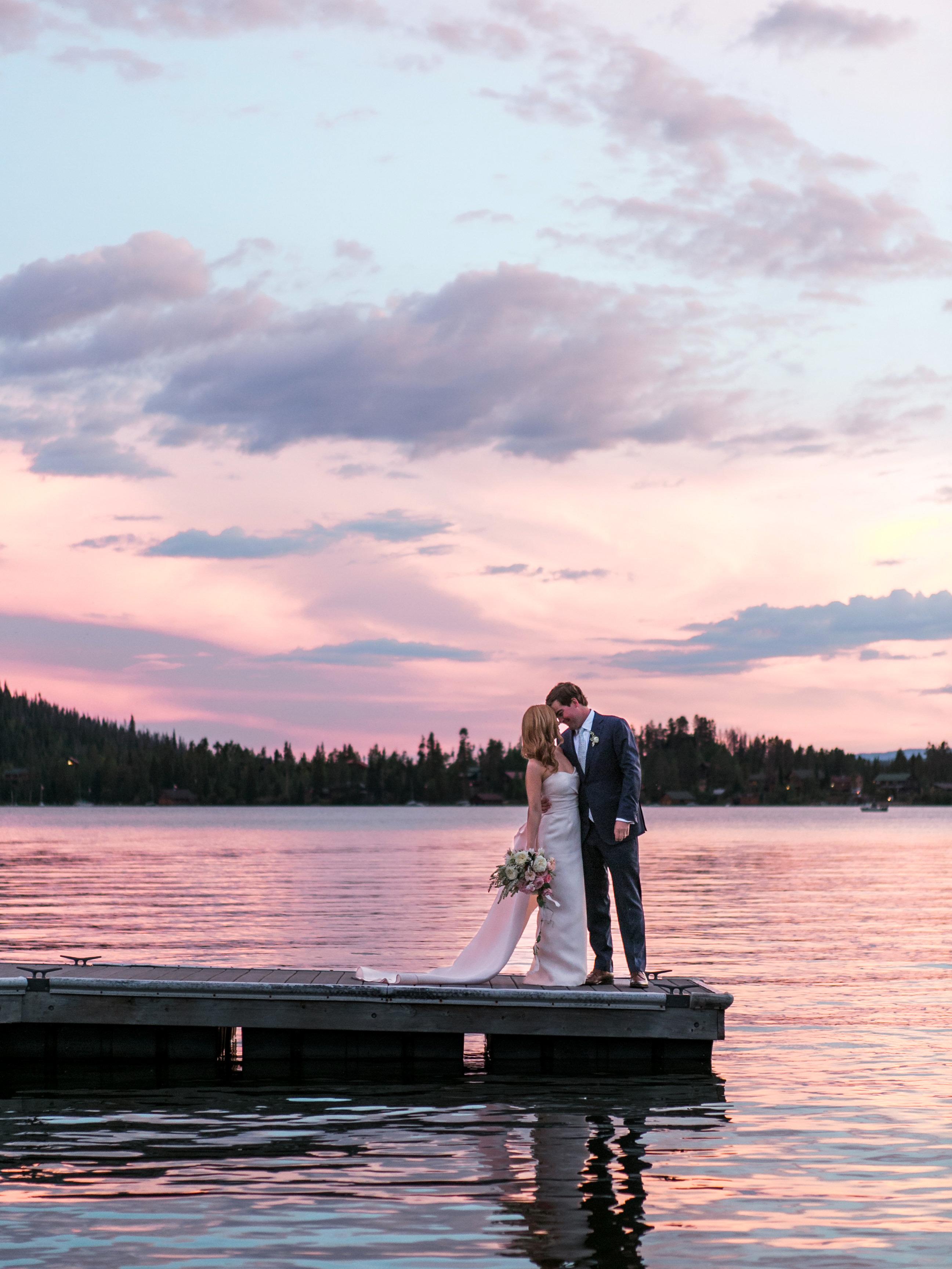 wedding couple sunset on lake