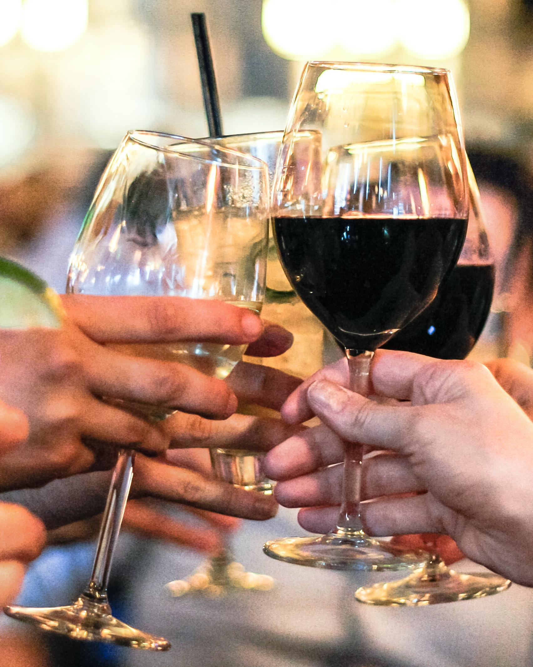 wine-toast-0315