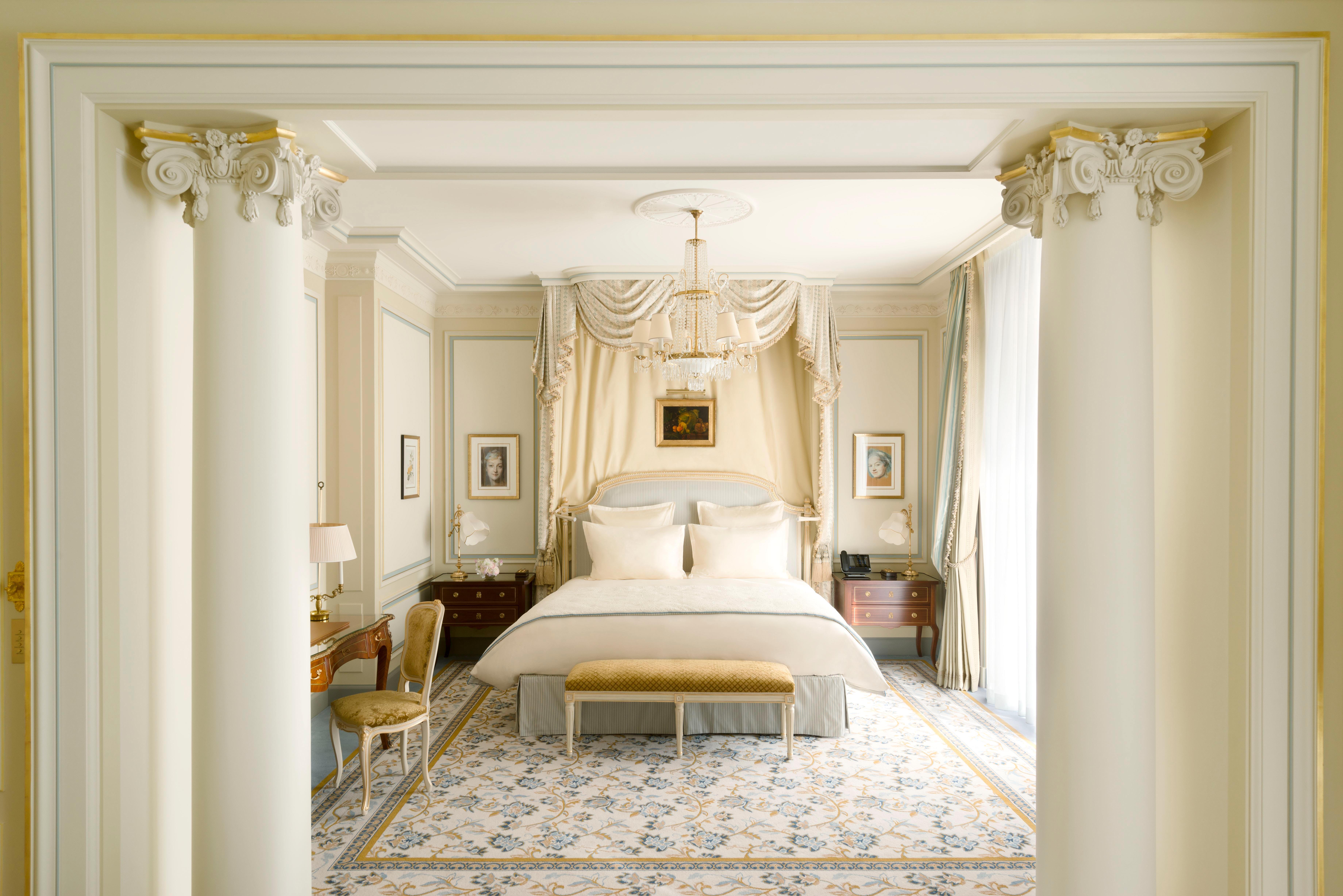 honeymoon ritz bedroom