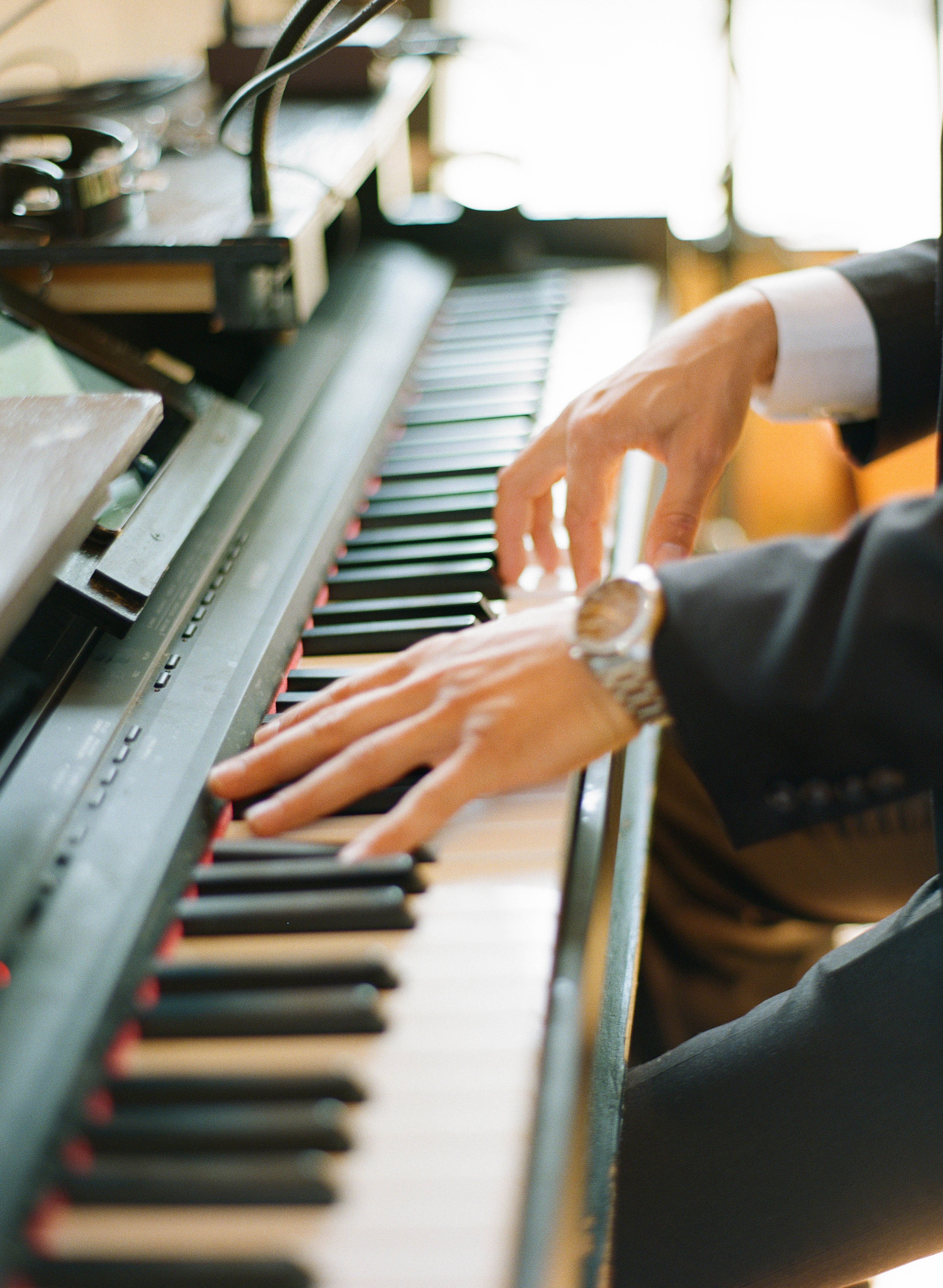brunch piano