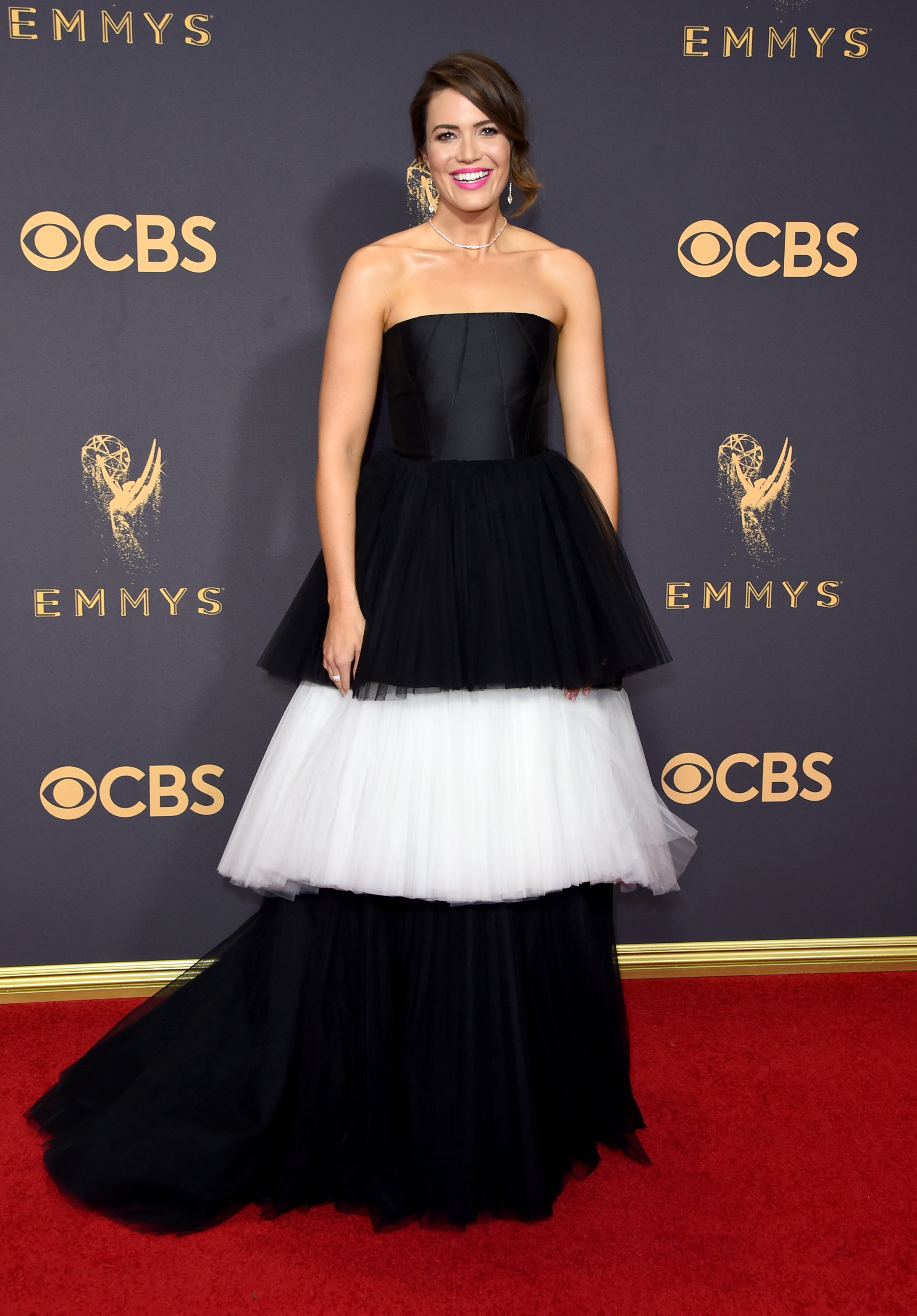 Mandy Moore Emmys Red Carpet 2017