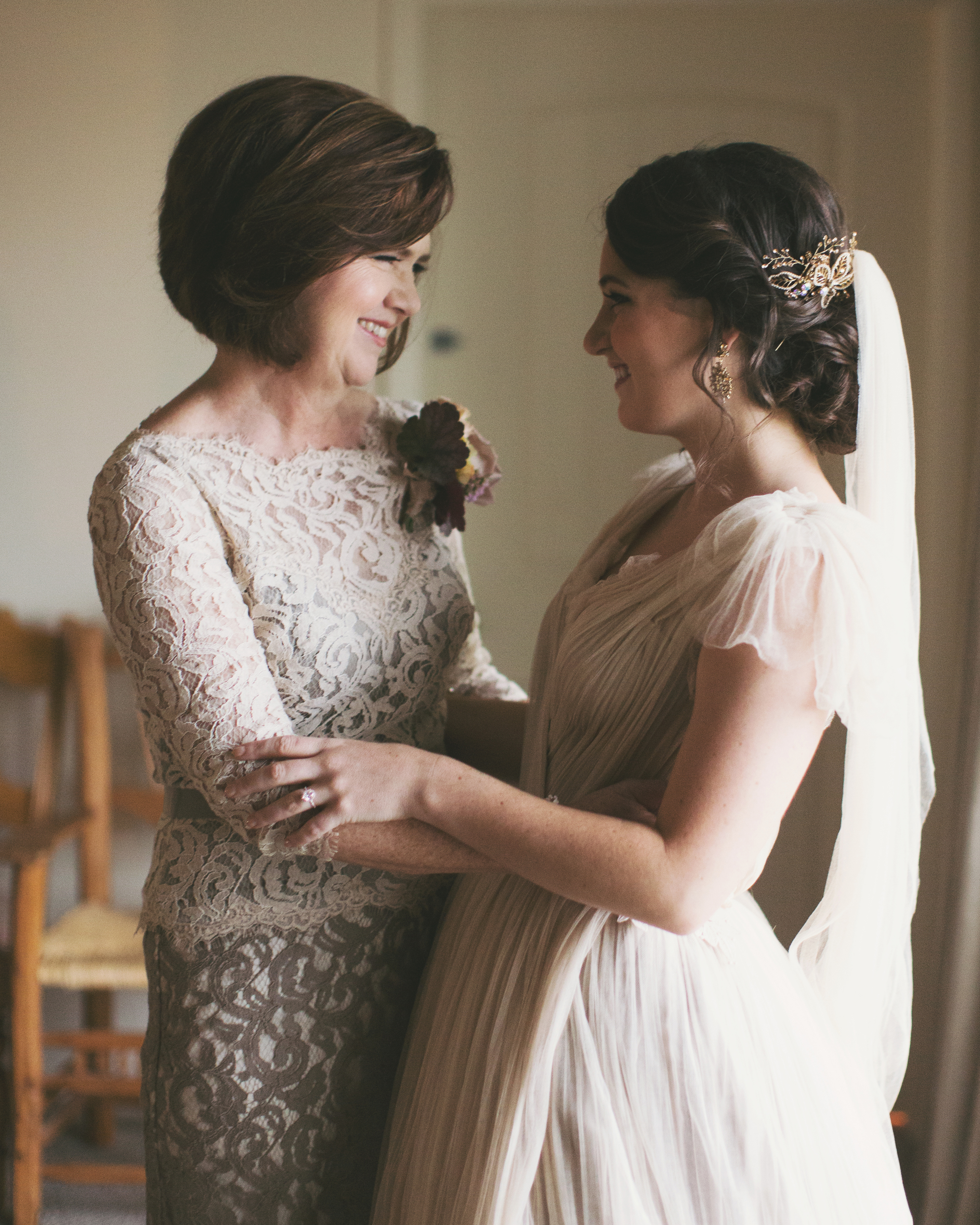 8 Must-Know Style Tips for the Mother of the Bride