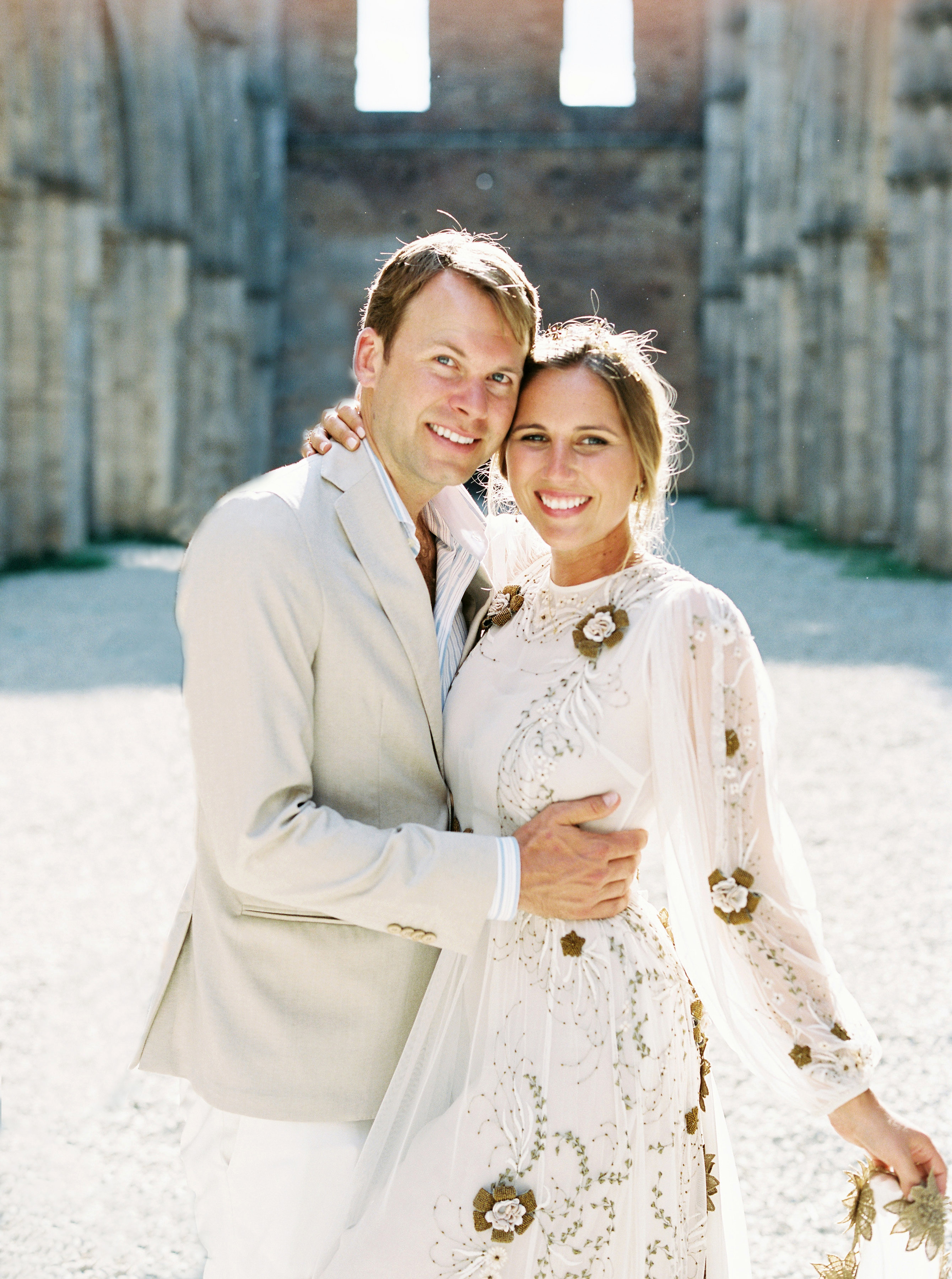alexis zach wedding italy couple close-up
