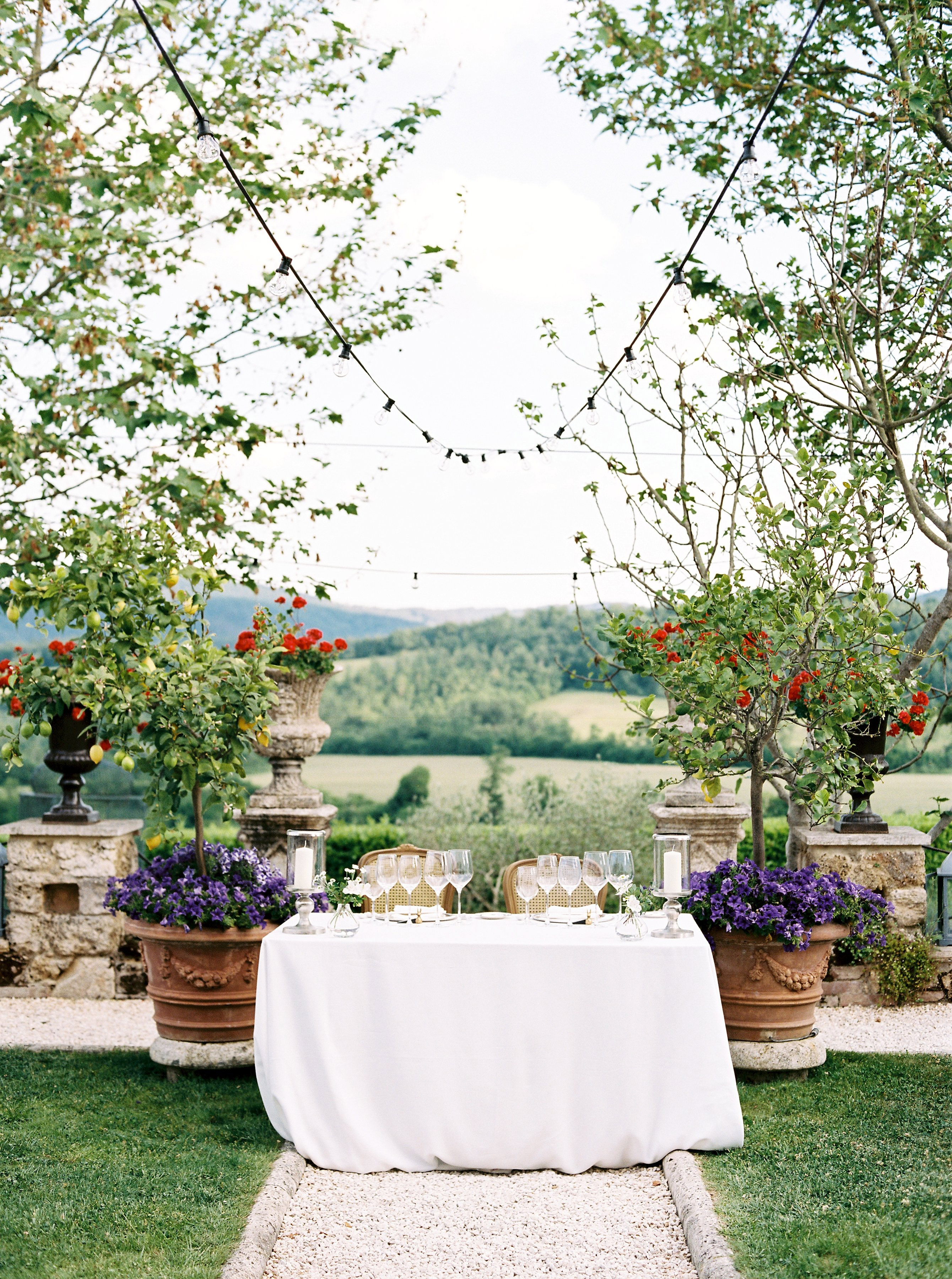 alexis zach wedding italy sweet heart table