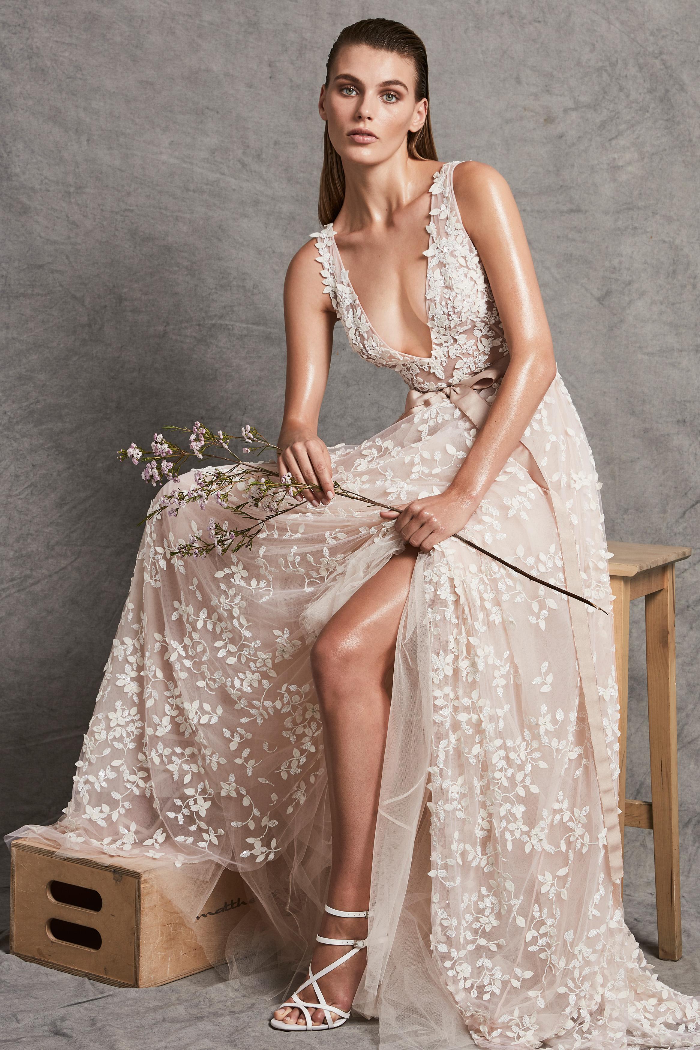 zuhair murad dress fall 2018 deep v neck sleeveless embellished