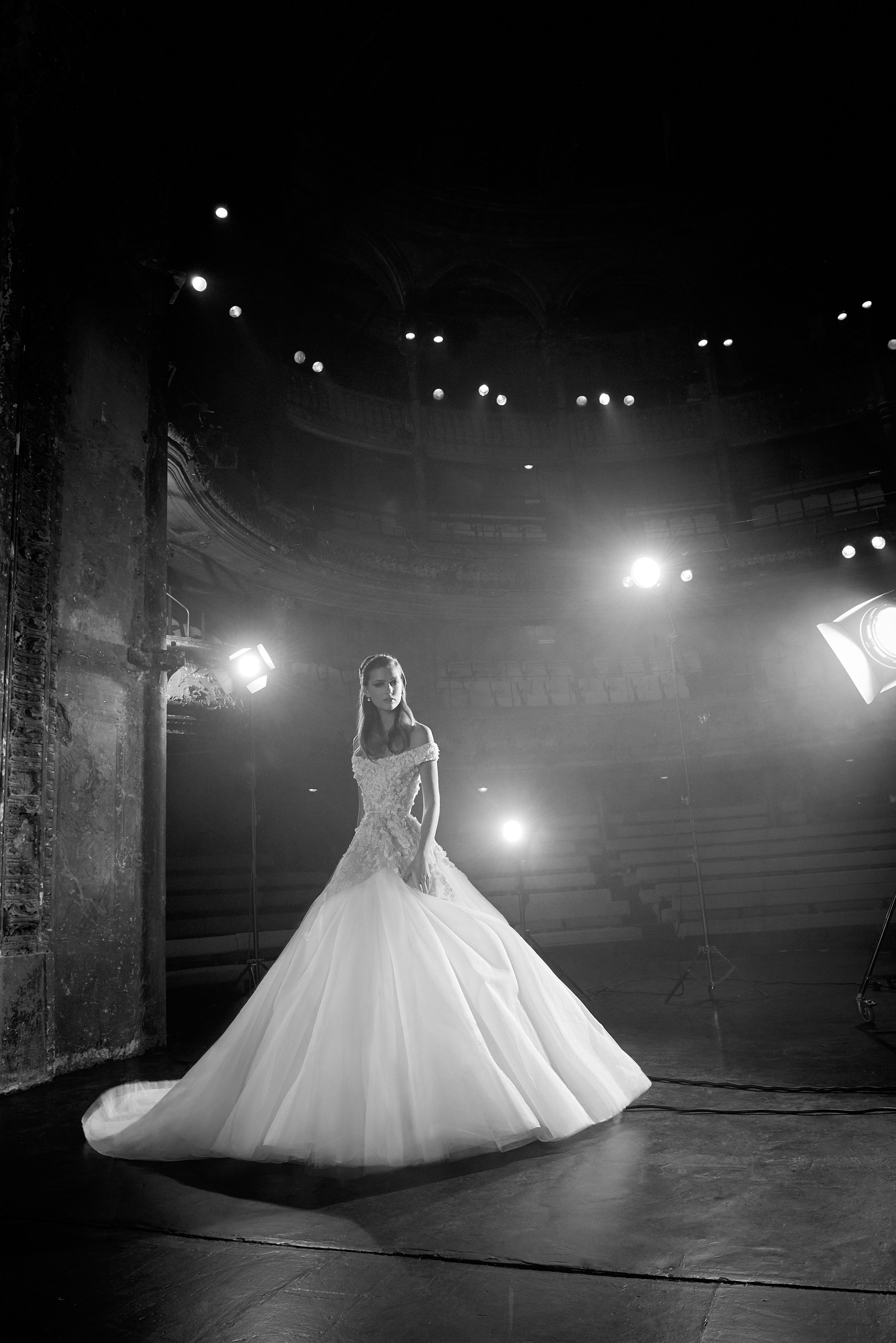 elie saab off-the-shoulder ball gown wedding dress fall 2018