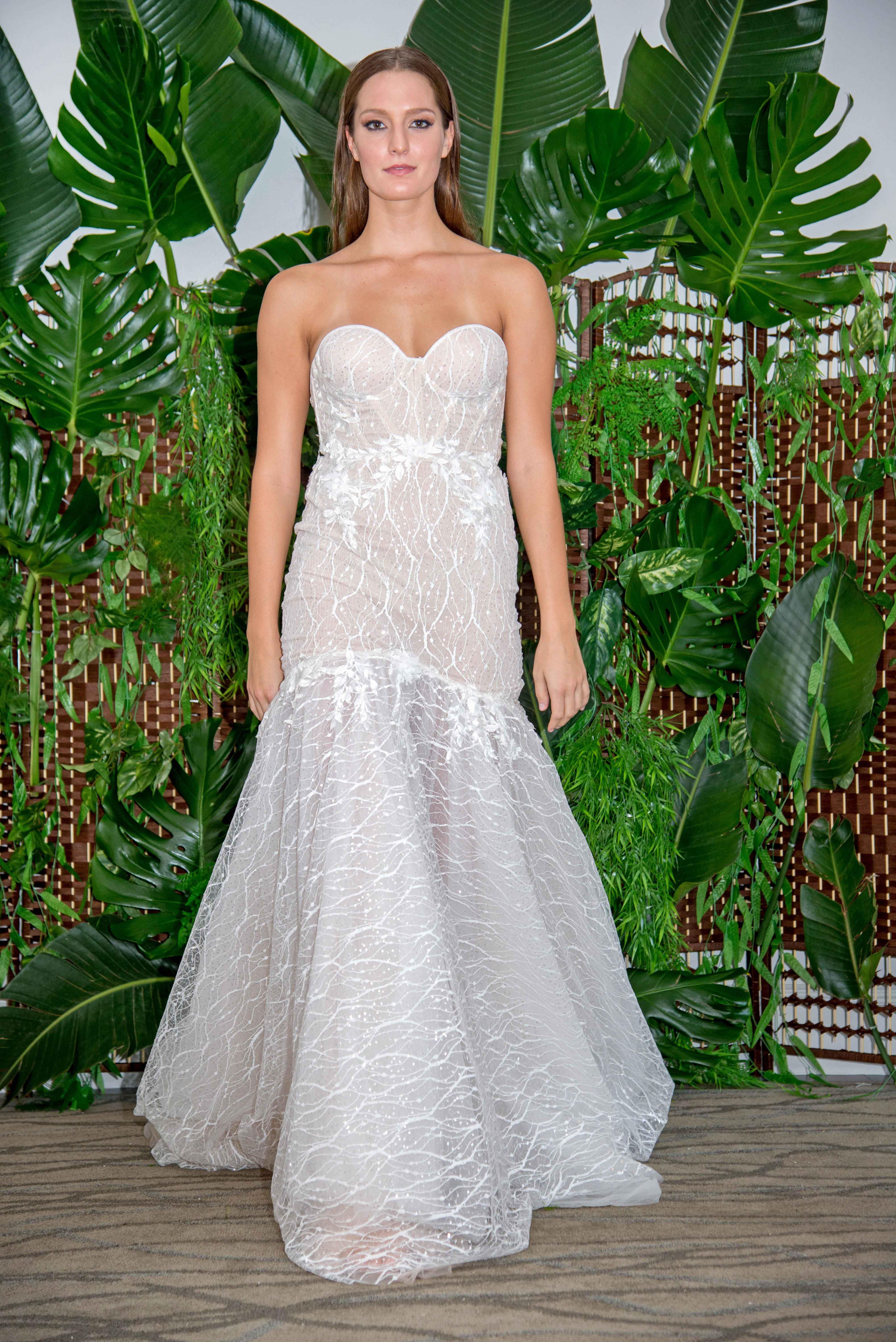 persy sweetheart neckline trumpet wedding dress fall 2018