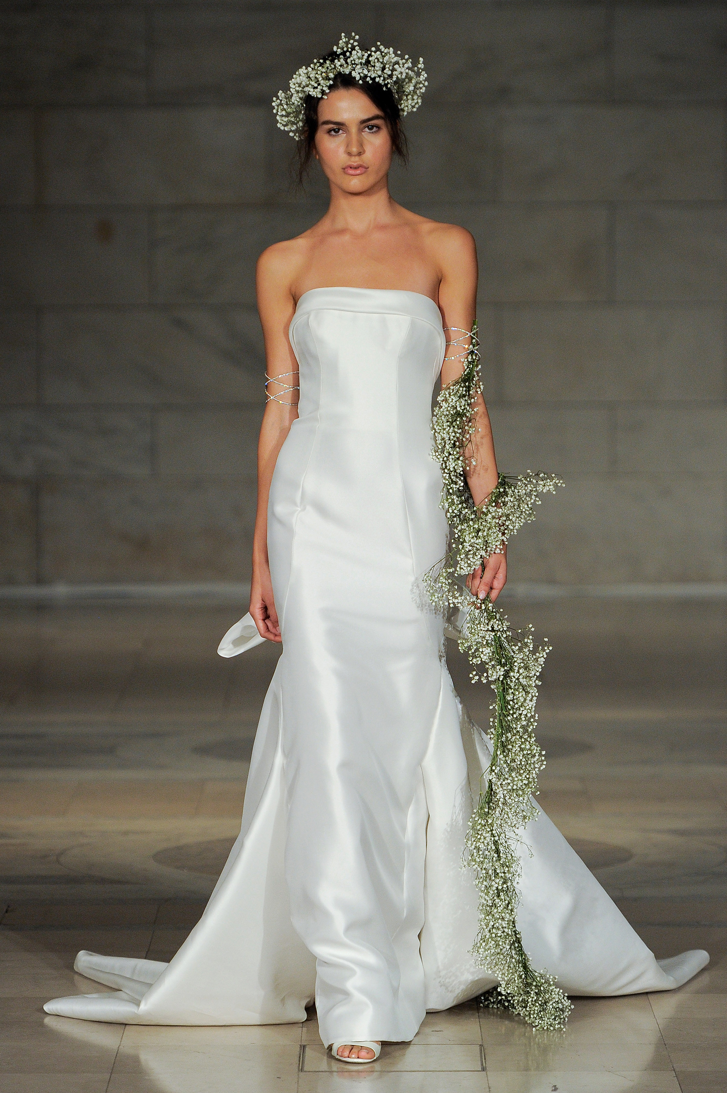 reem acra fall 2018 strapless trumpet gown