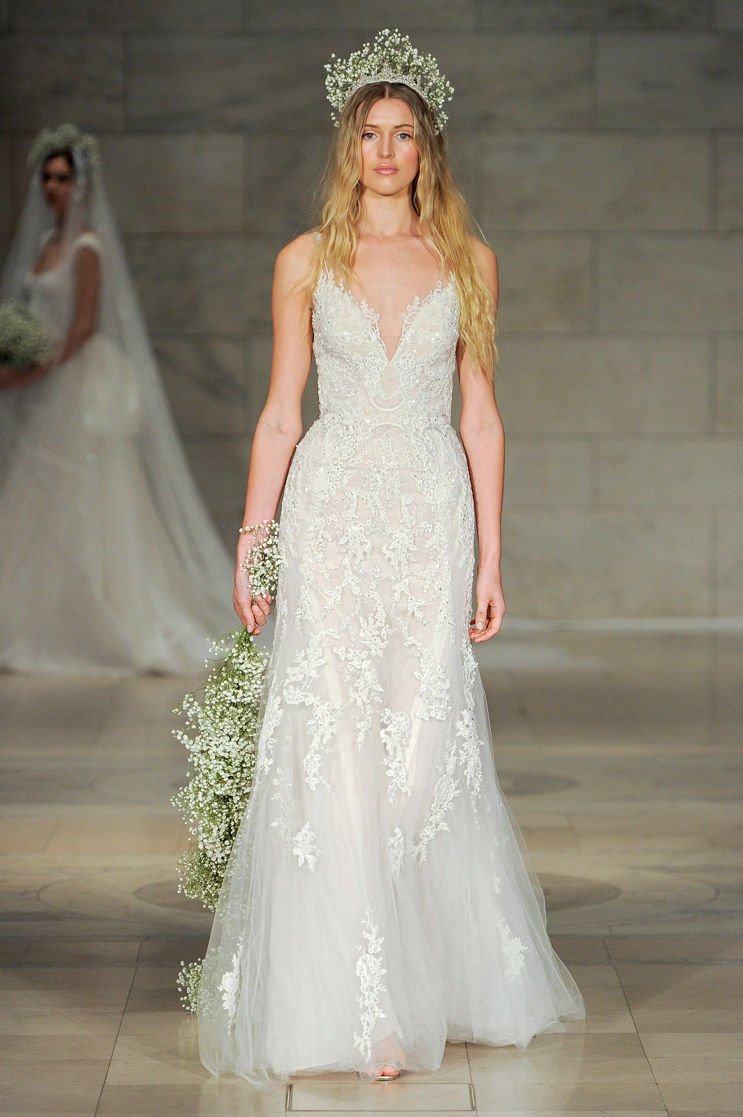 reem acra bridal market wedding dress fall 2018 v-neck spaghetti strap