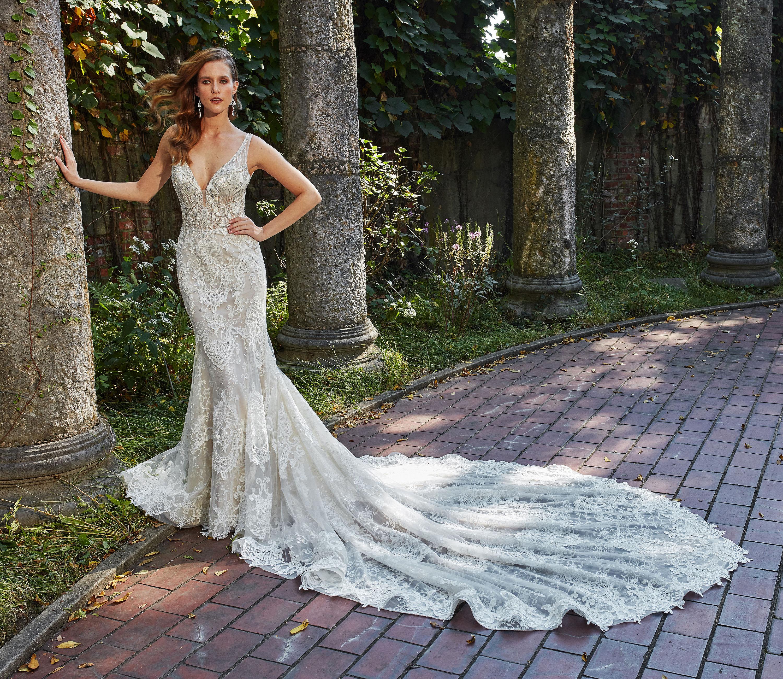 eve of milady dress fall 2018 v-neck sleeveless lace train