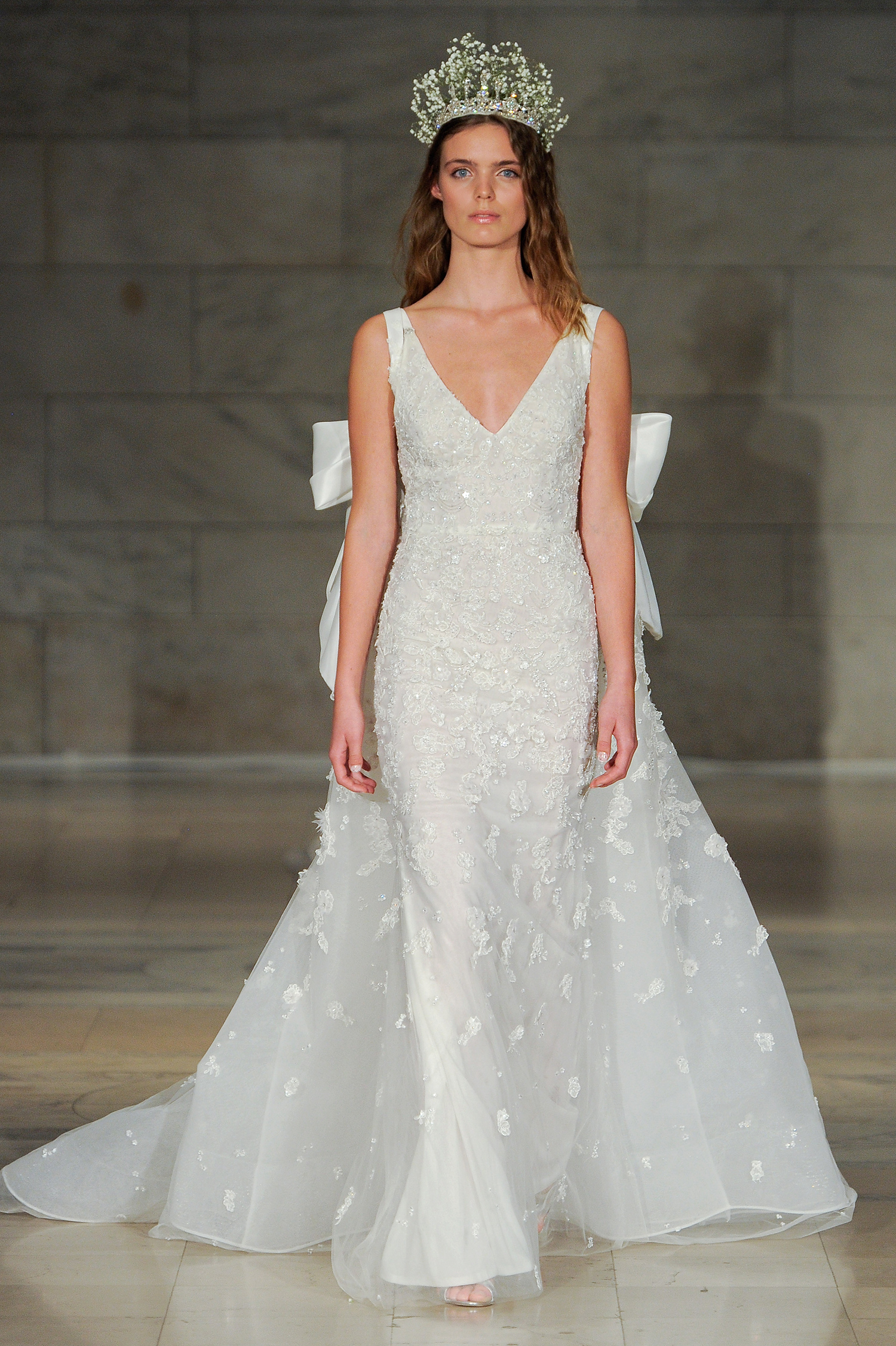 reem acra bridal market wedding dress fall 2018 v-neck