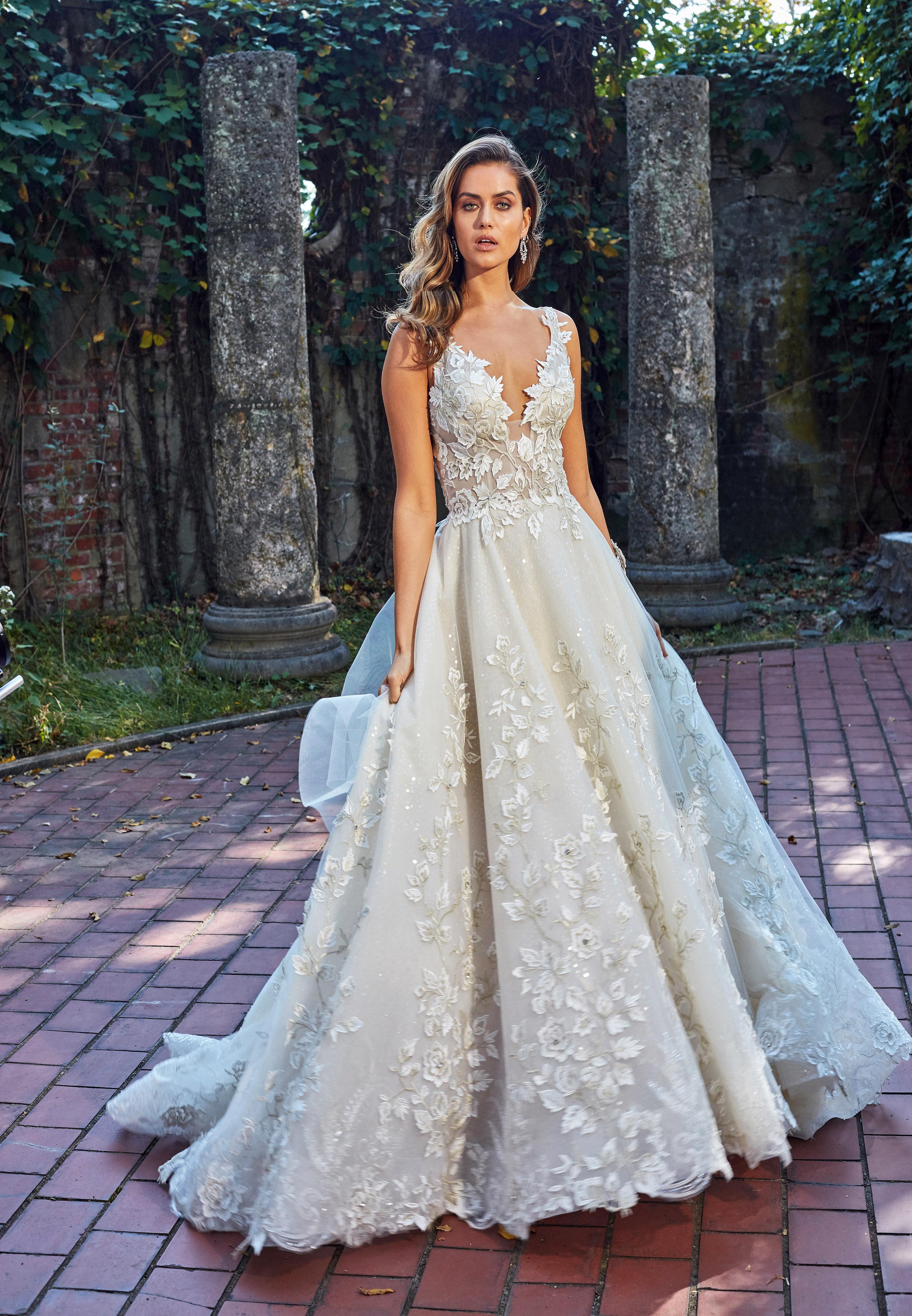 eve of milady dress fall 2018 v-neck embellished ball gown