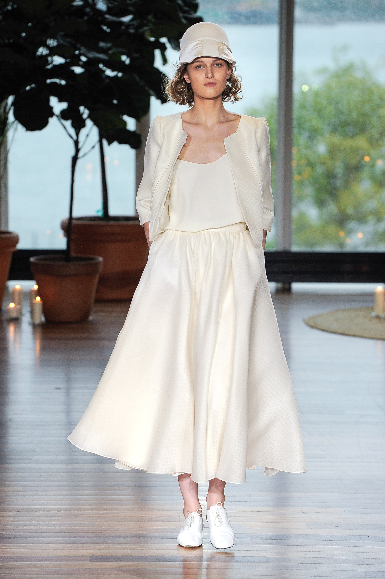 laure de sagazon fall 2018 ivory midi with jacket