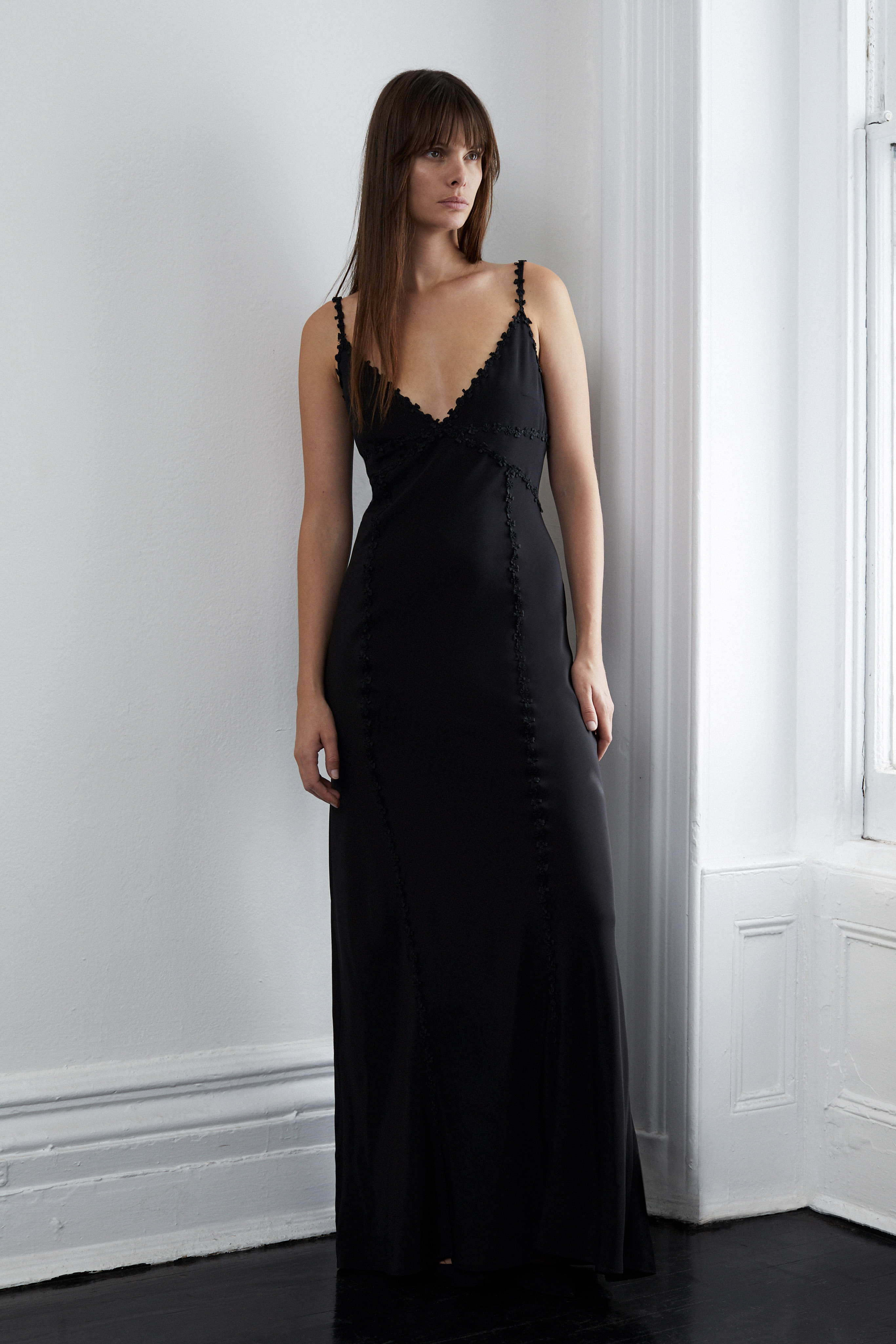 lein fall 2018 wedding dress black v-neck spaghetti strap