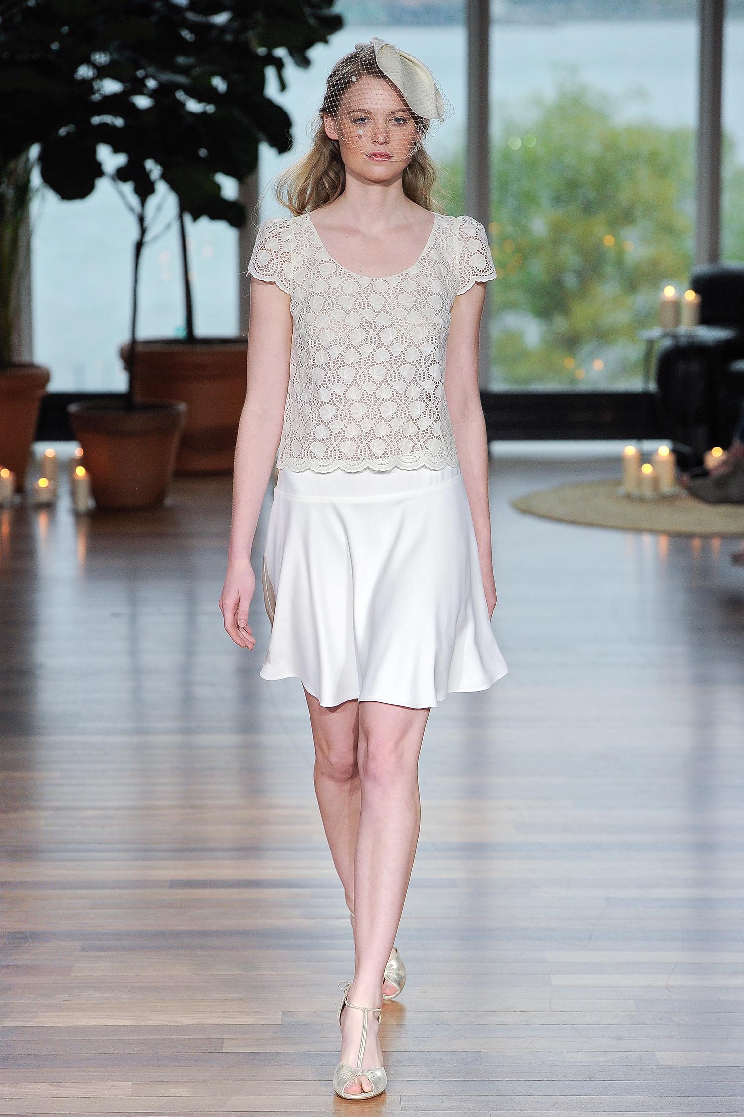 laure de sagazon fall 2018 two-piece lace top short skirt