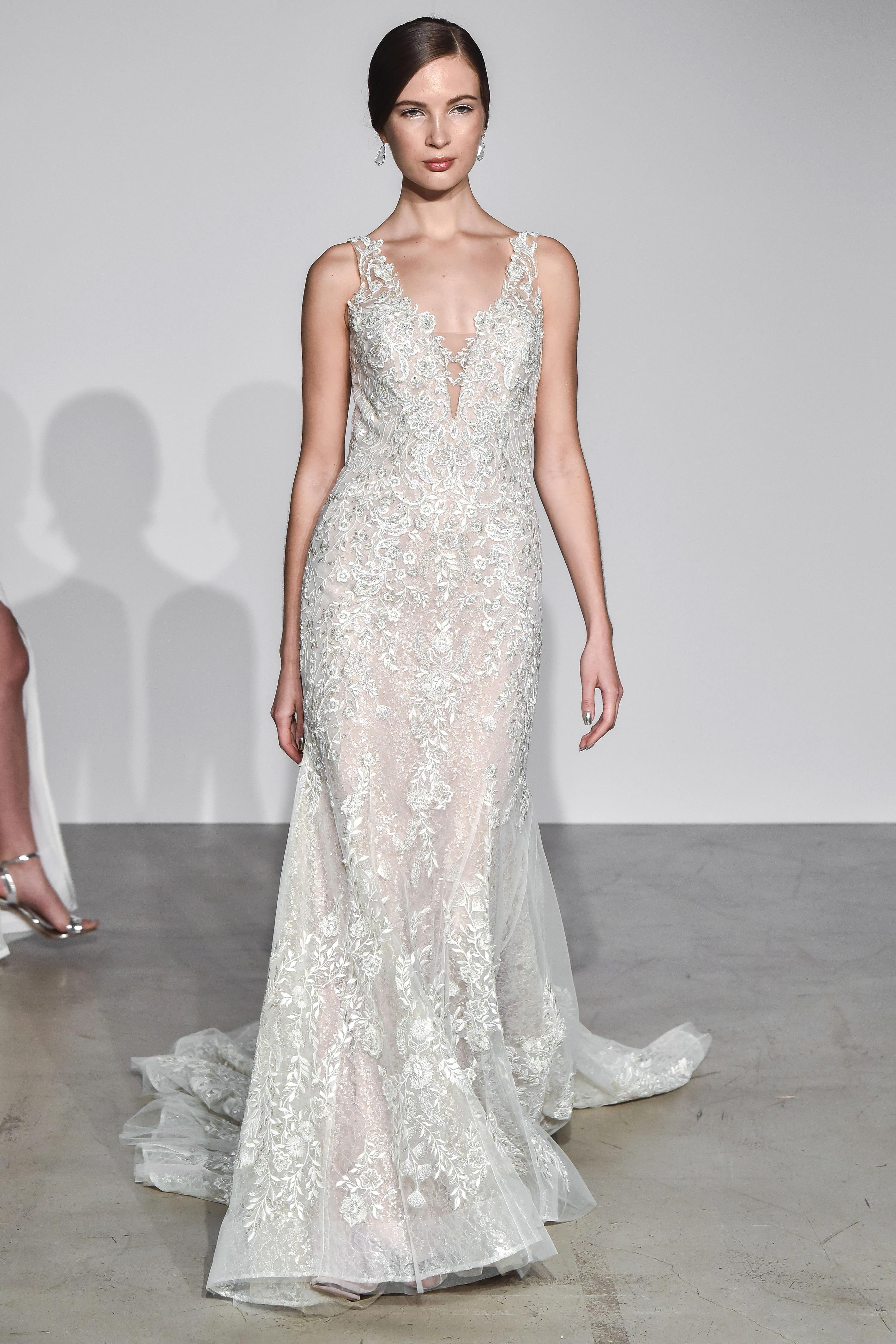 justin alexander fall 2018 v-neck lace wedding dress
