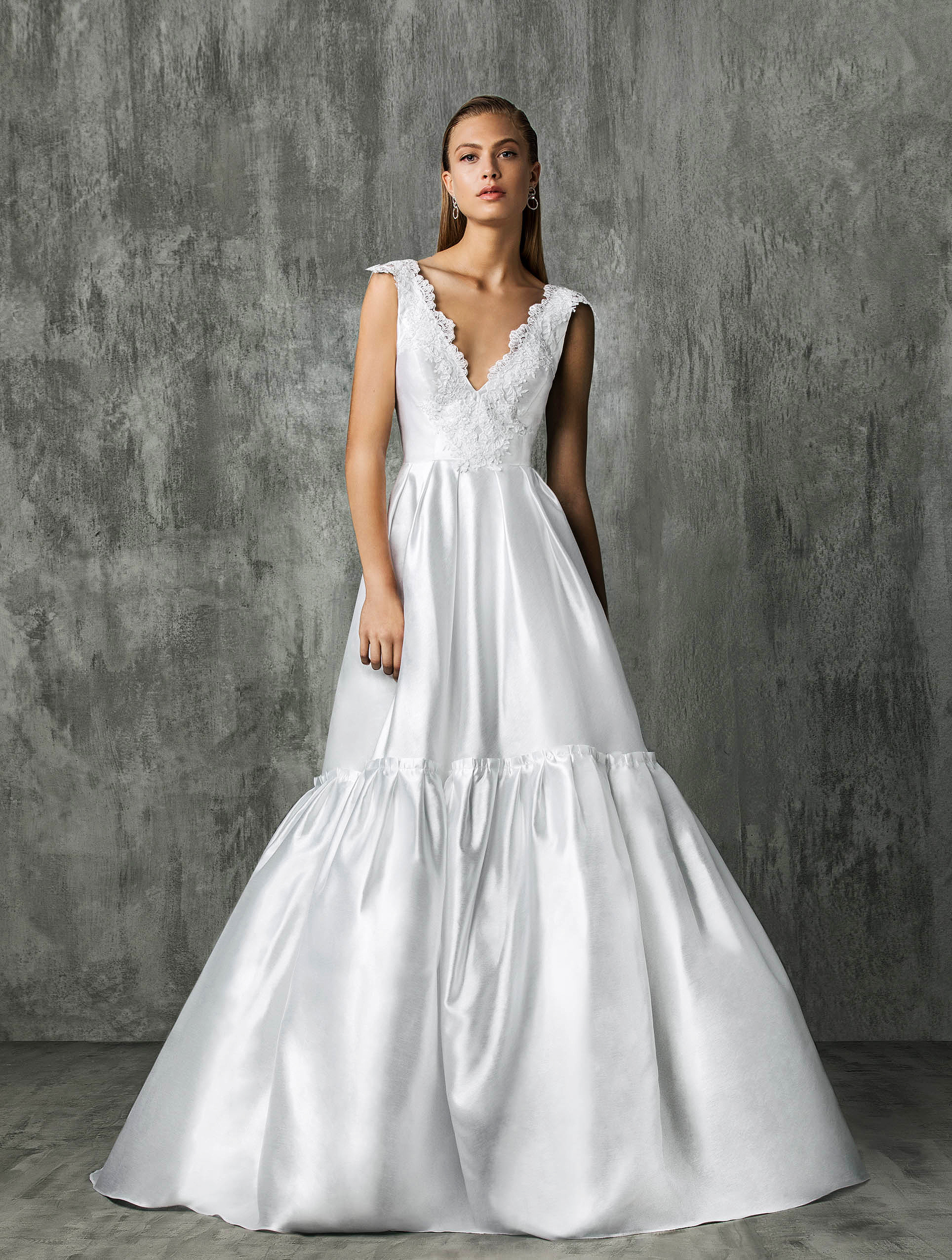 Victoria Kyriakides Ball Gown Wedding Dress Fall 2018