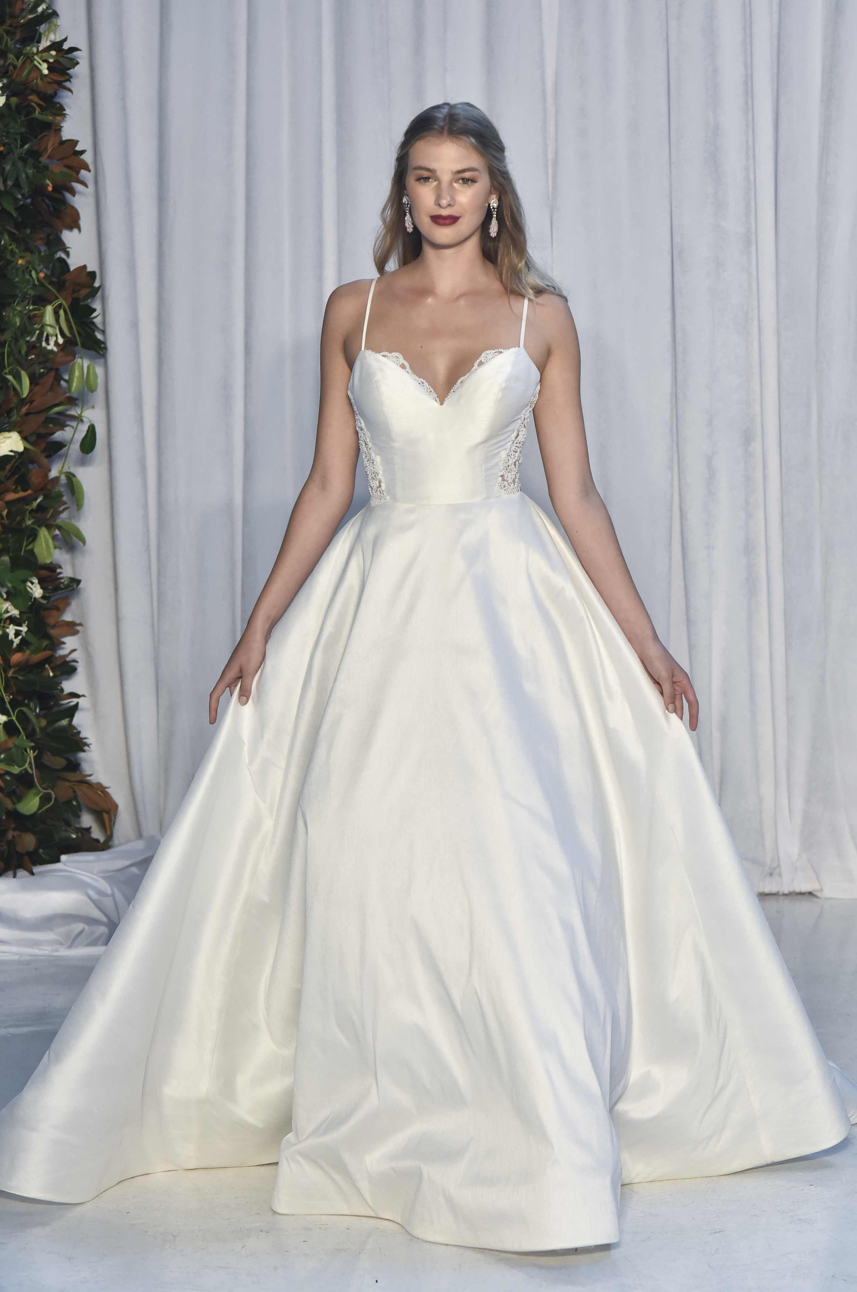 anne barge sweetheart neckline with spaghetti straps wedding dress fall 2018