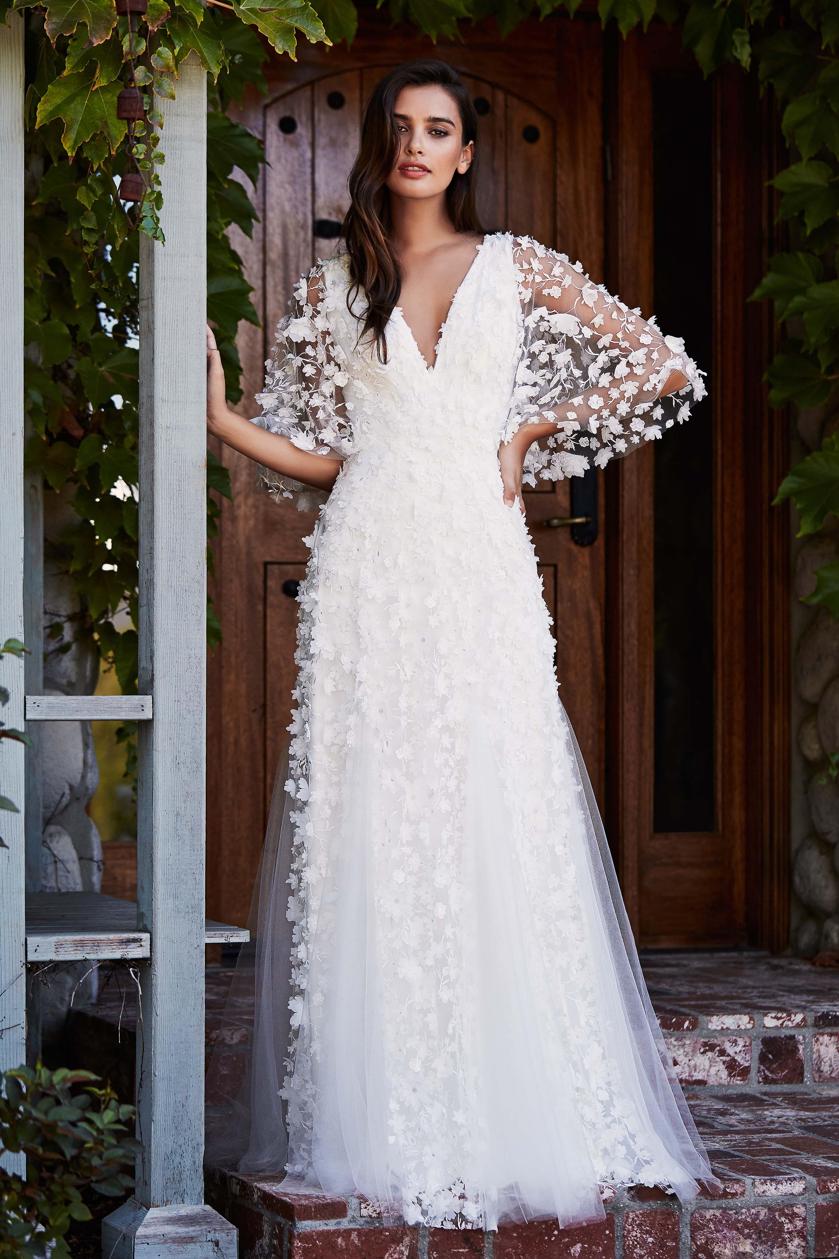 tadashi shoji wedding dress fall 2018 vneck lace long sleeve