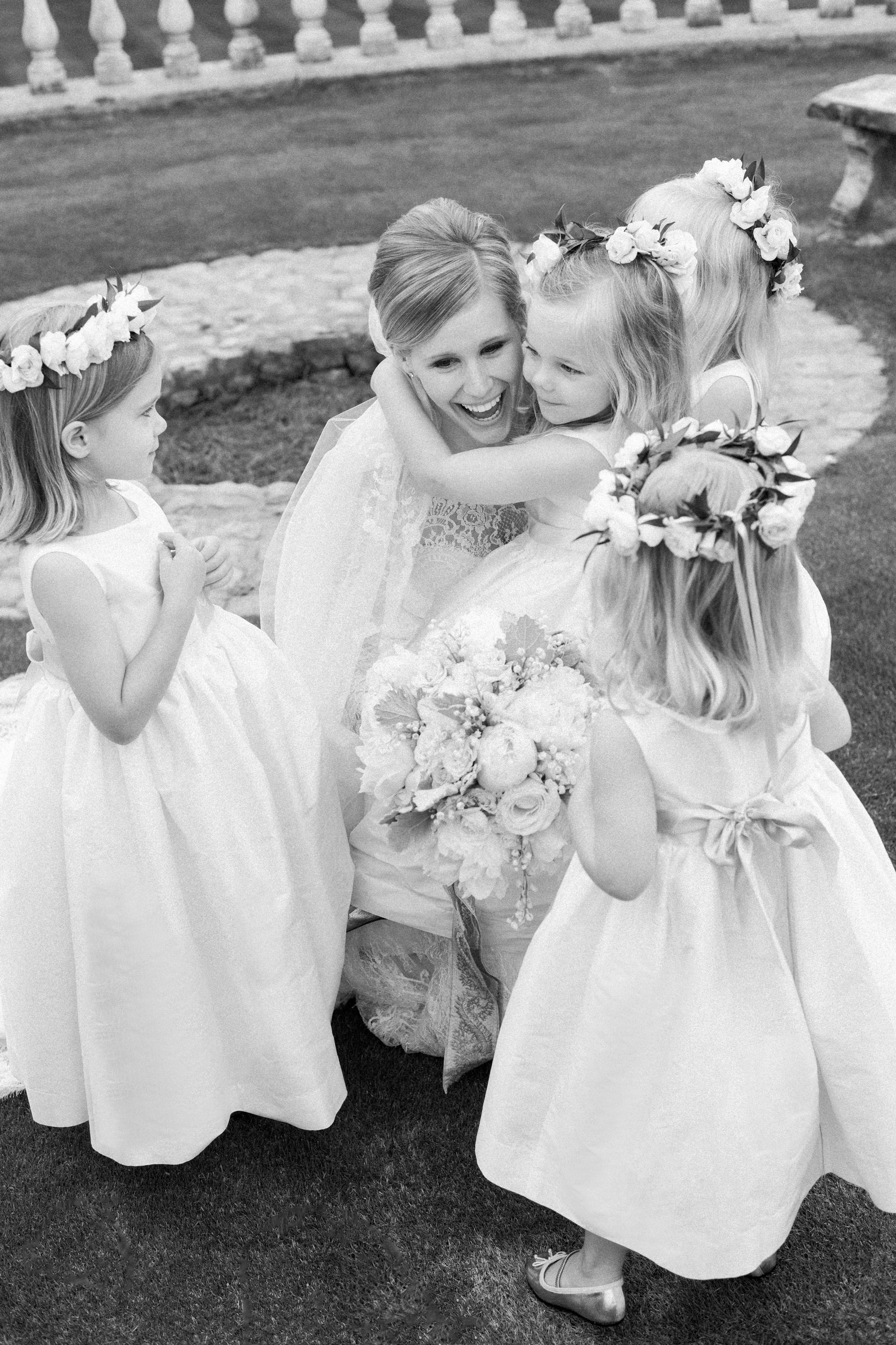 How to Manage Multiple Flower Girls and Ring Bearers at Your Wedding