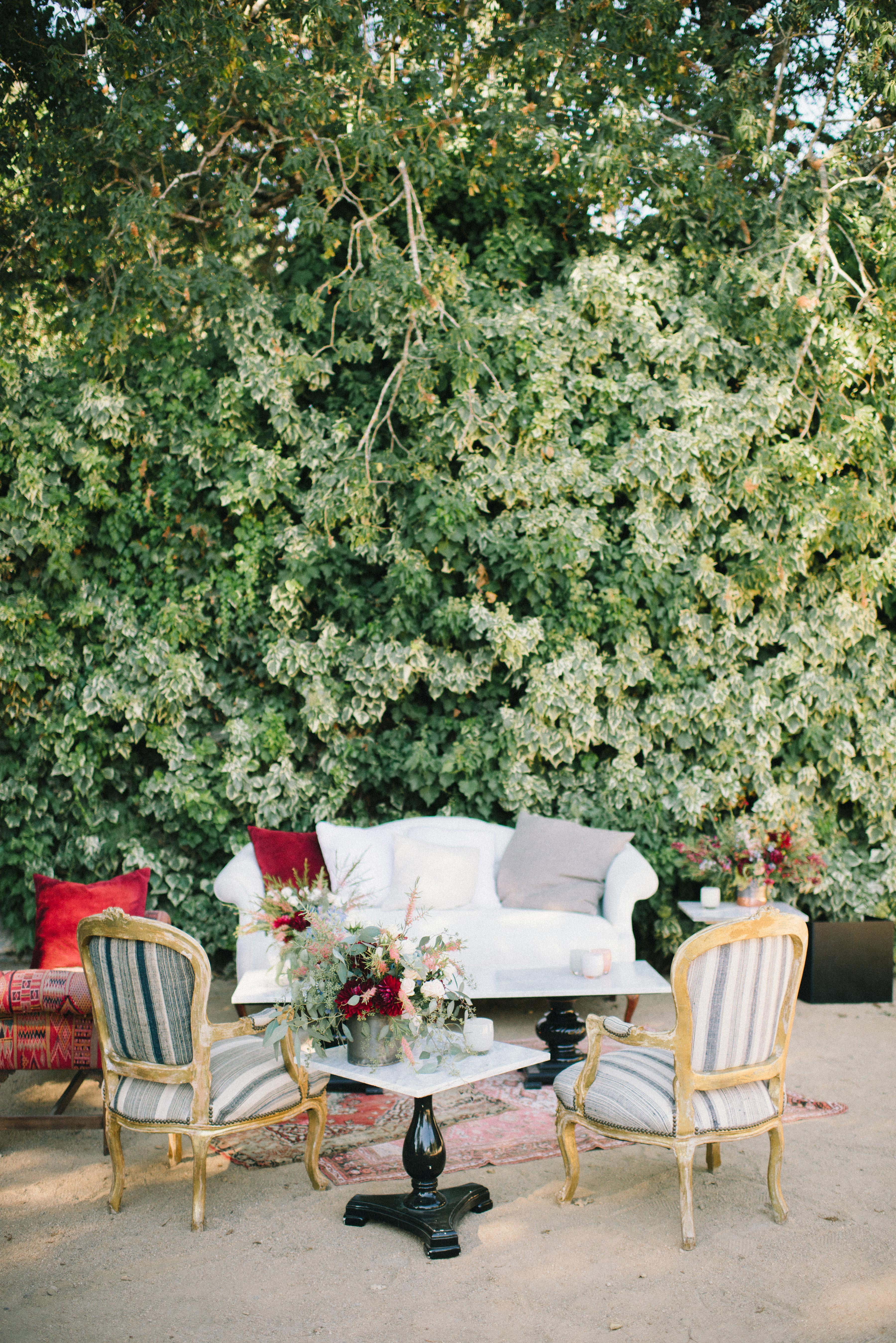 32 Wedding Lounge Ideas Your Guests Can Cozy Up To | Martha ...