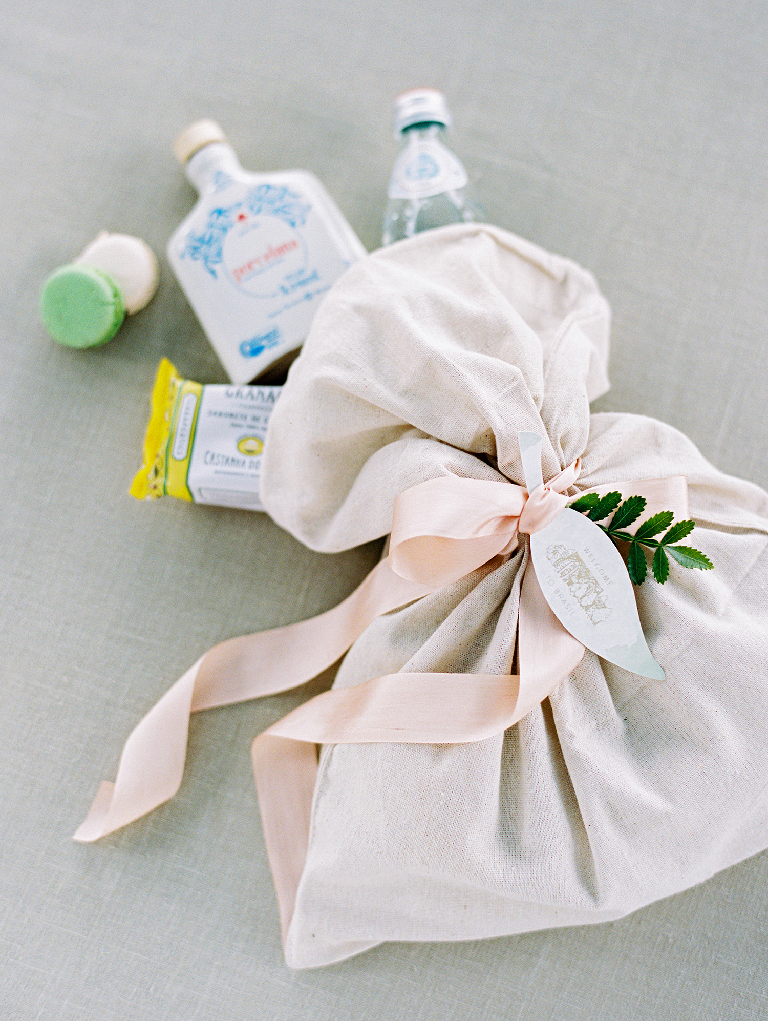 amanda alex wedding welcome bags