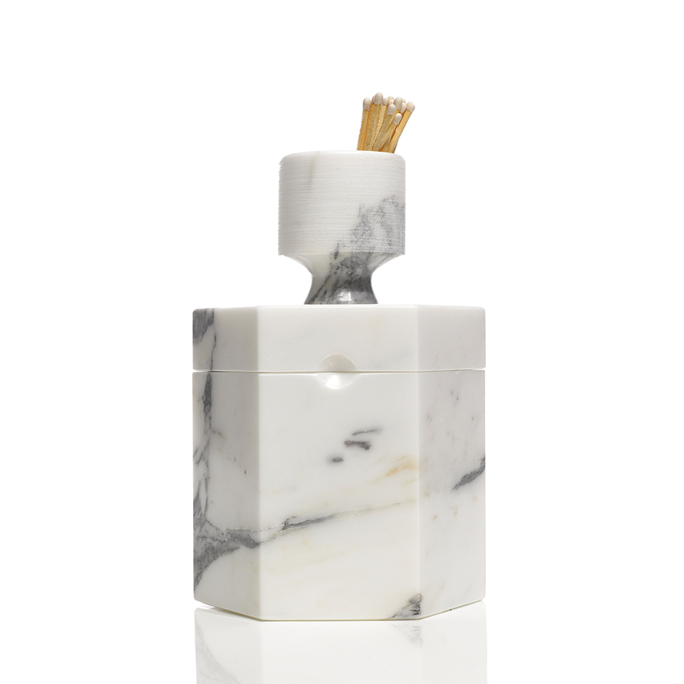 maid of honor gift guide bellinvito marble candle